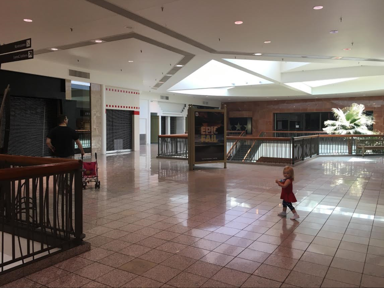 File Fiesta Mall Former Macy S Wing Png Wikimedia Commons