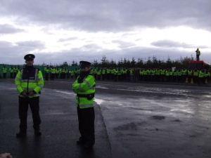 File:Gardaí, Corrib gas refinery, Erris, County Mayo.jpg
