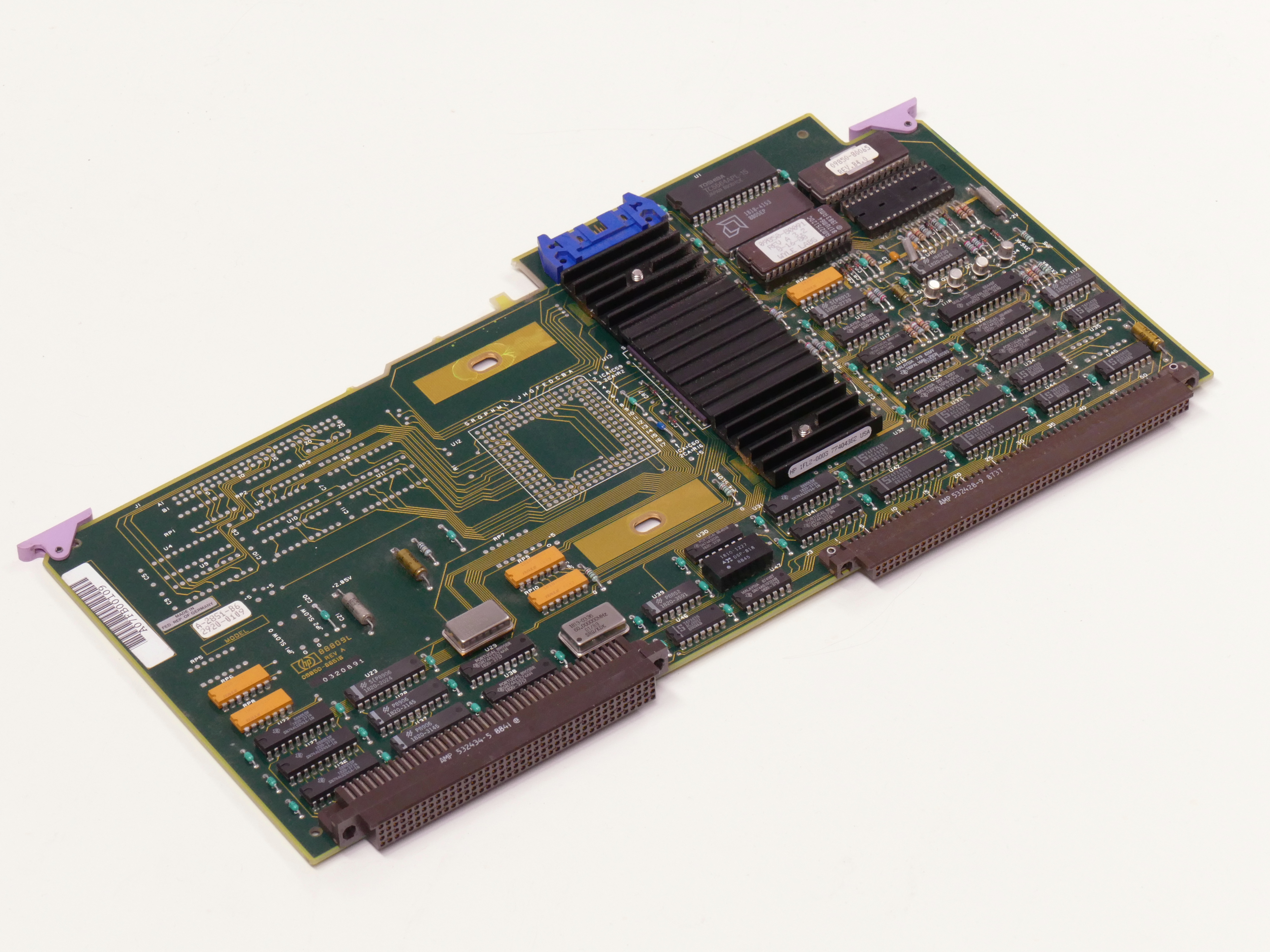 File:HP-HP9000-835-SystemBoard-835 001 jpg - Wikimedia Commons