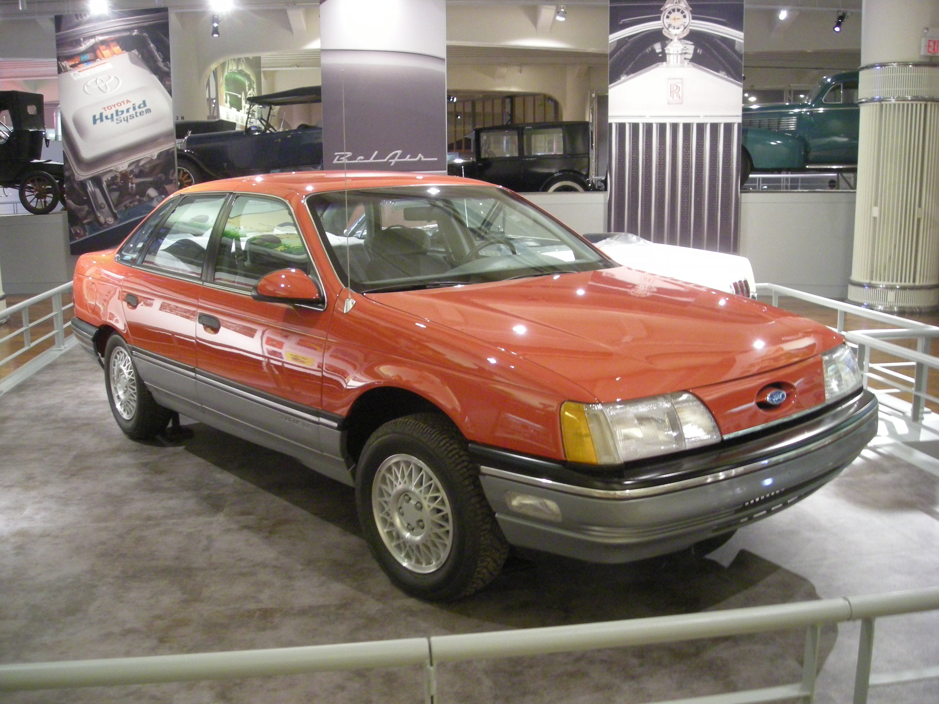 1990 Ford Taurus >> File:Henry Ford Museum August 2012 74 (1986 Ford Taurus).jpg - Wikimedia Commons