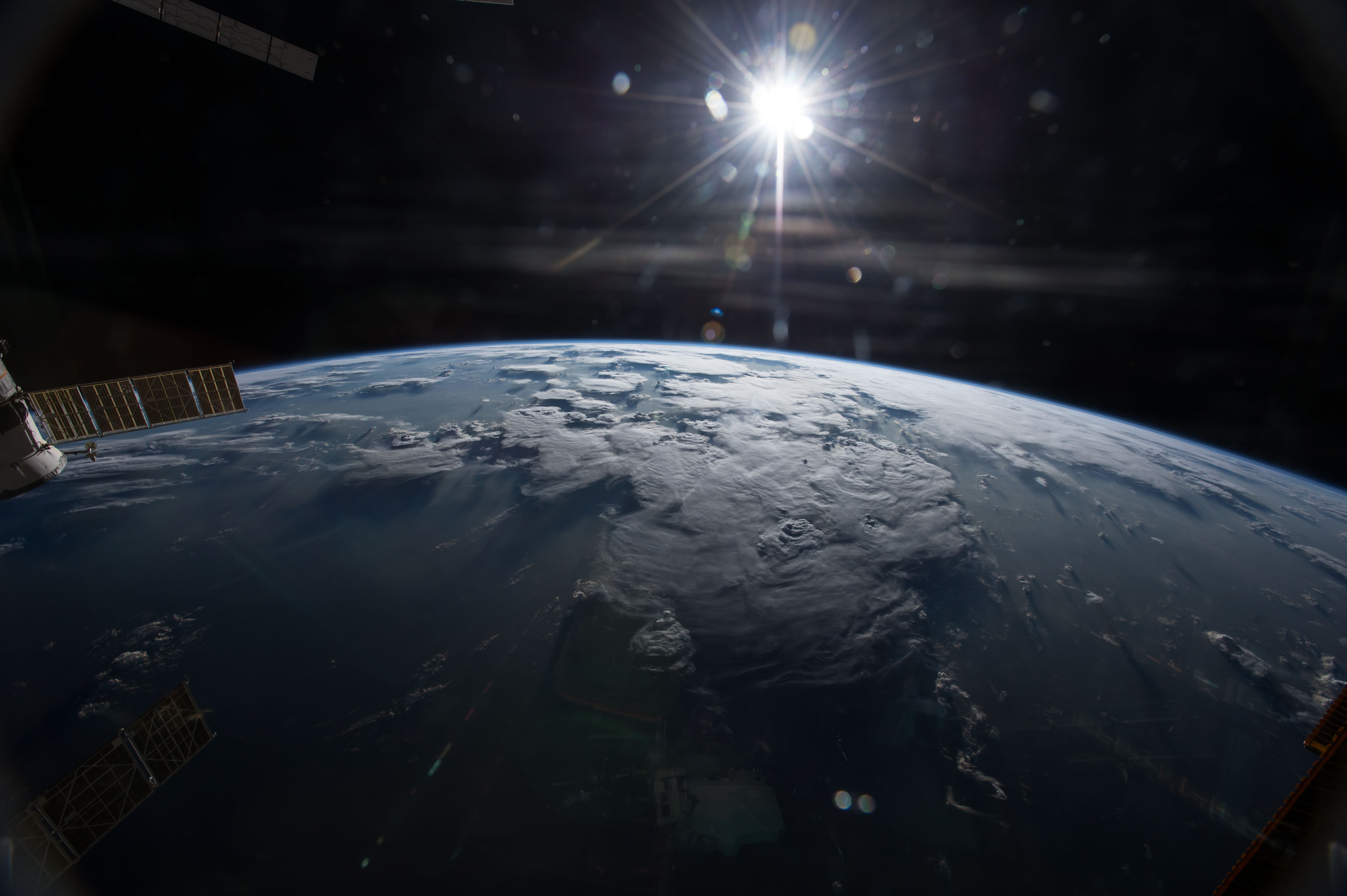 File Iss 42 Earth View Jpg Wikimedia Commons