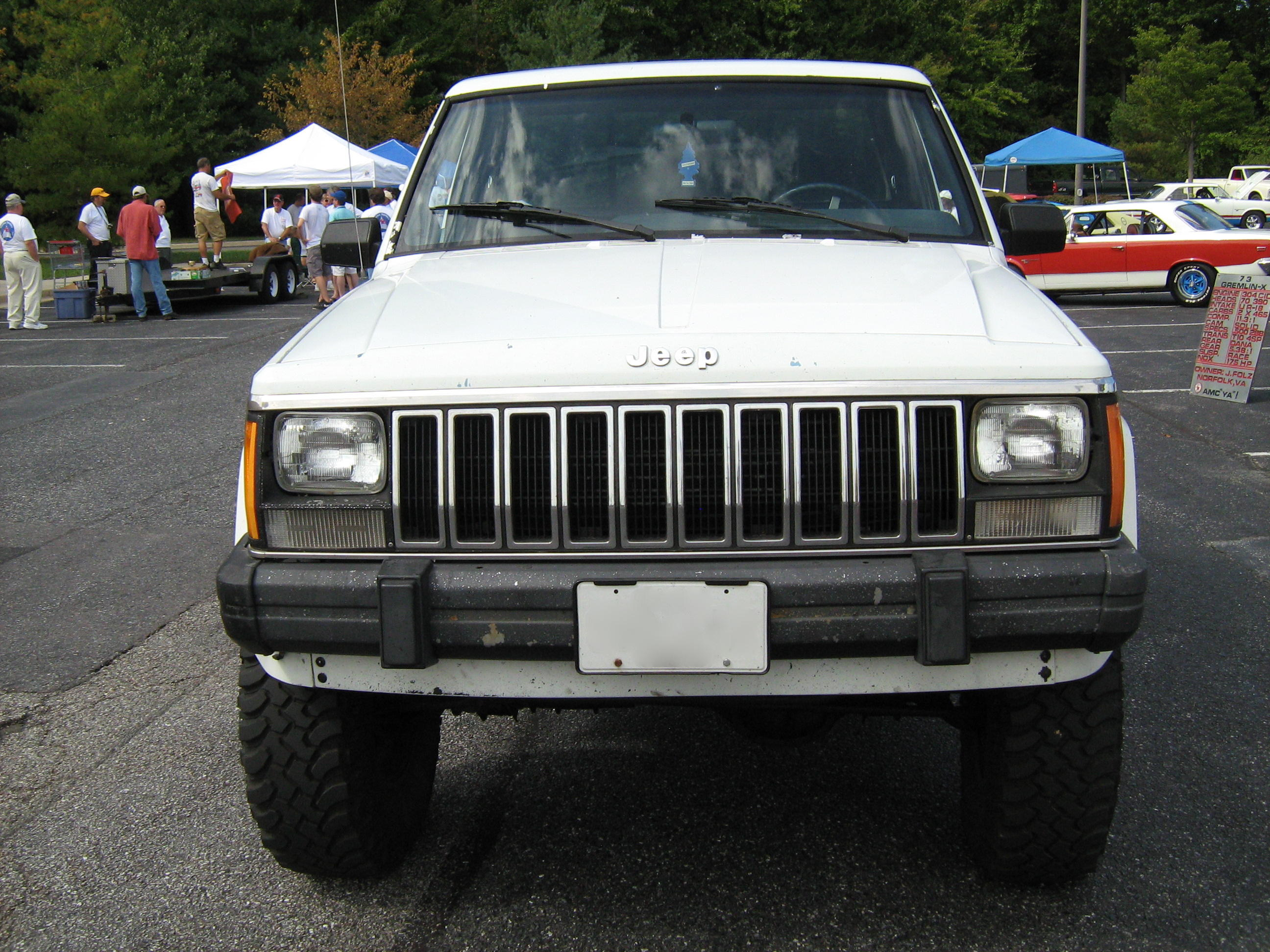 Jeep Pickup Truck >> File:Jeep Comanche Pioneer white MD f.jpg - Wikimedia Commons