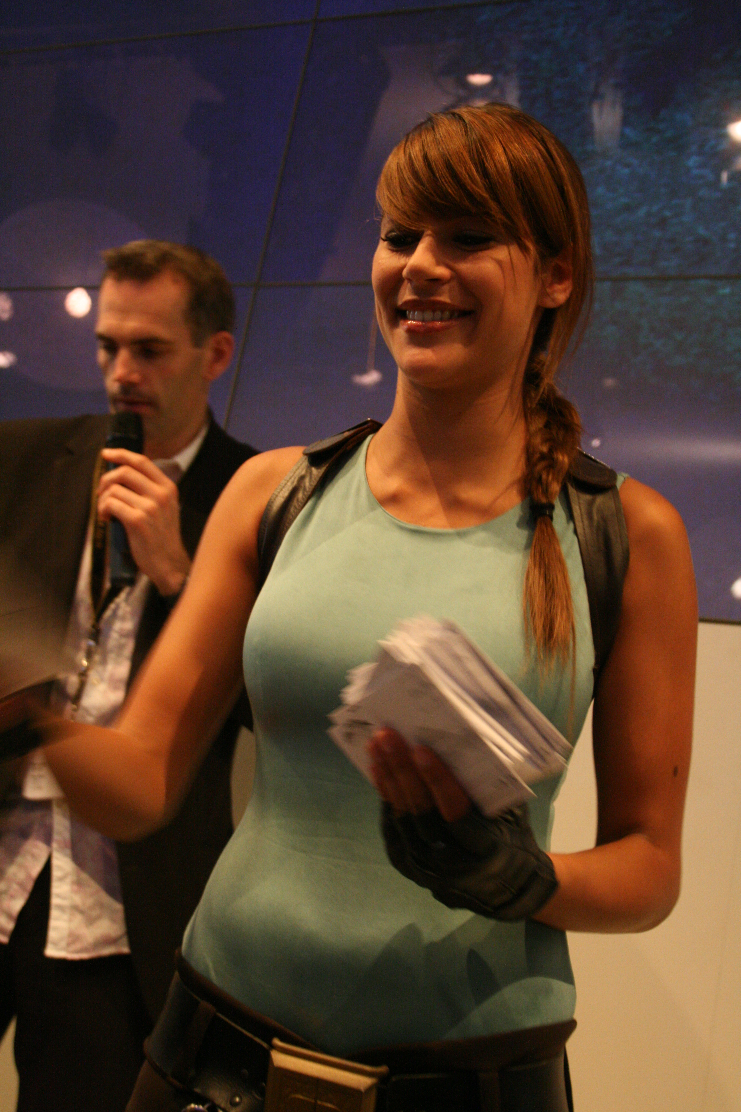 Description Karima Adebibe as Lara Croft - Games Convention 2007.jpg