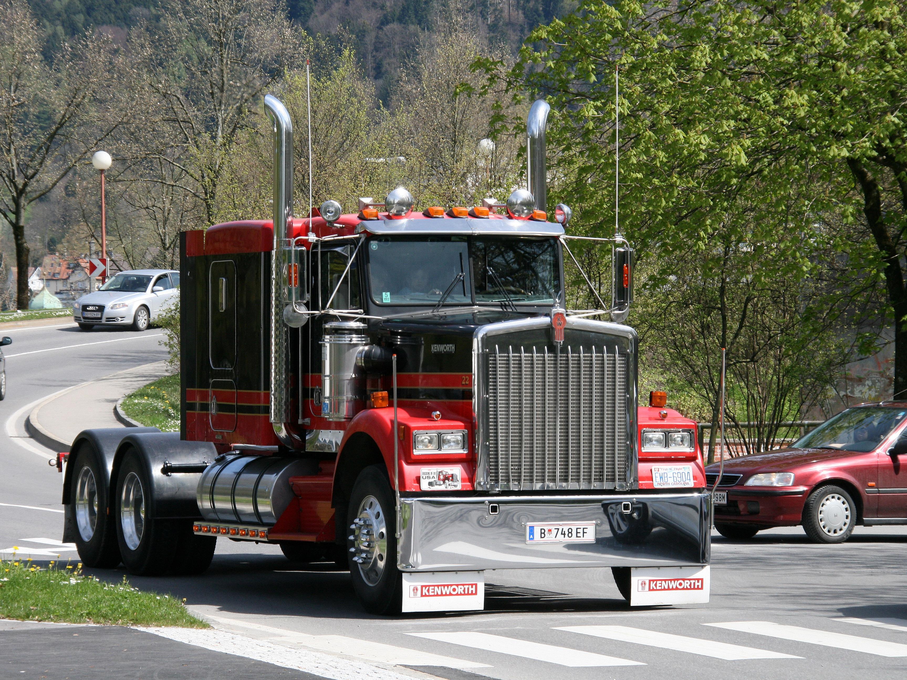 Comics Bİlder: Kenworth Trucks are one of the