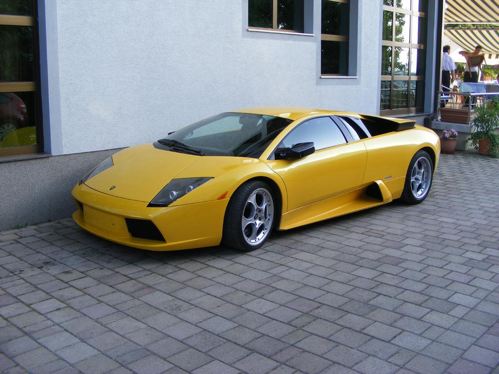 File:Lamborghini Murcielago Front Left2