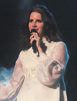 Lana Del Rey at Planeta Terra in 2013.png