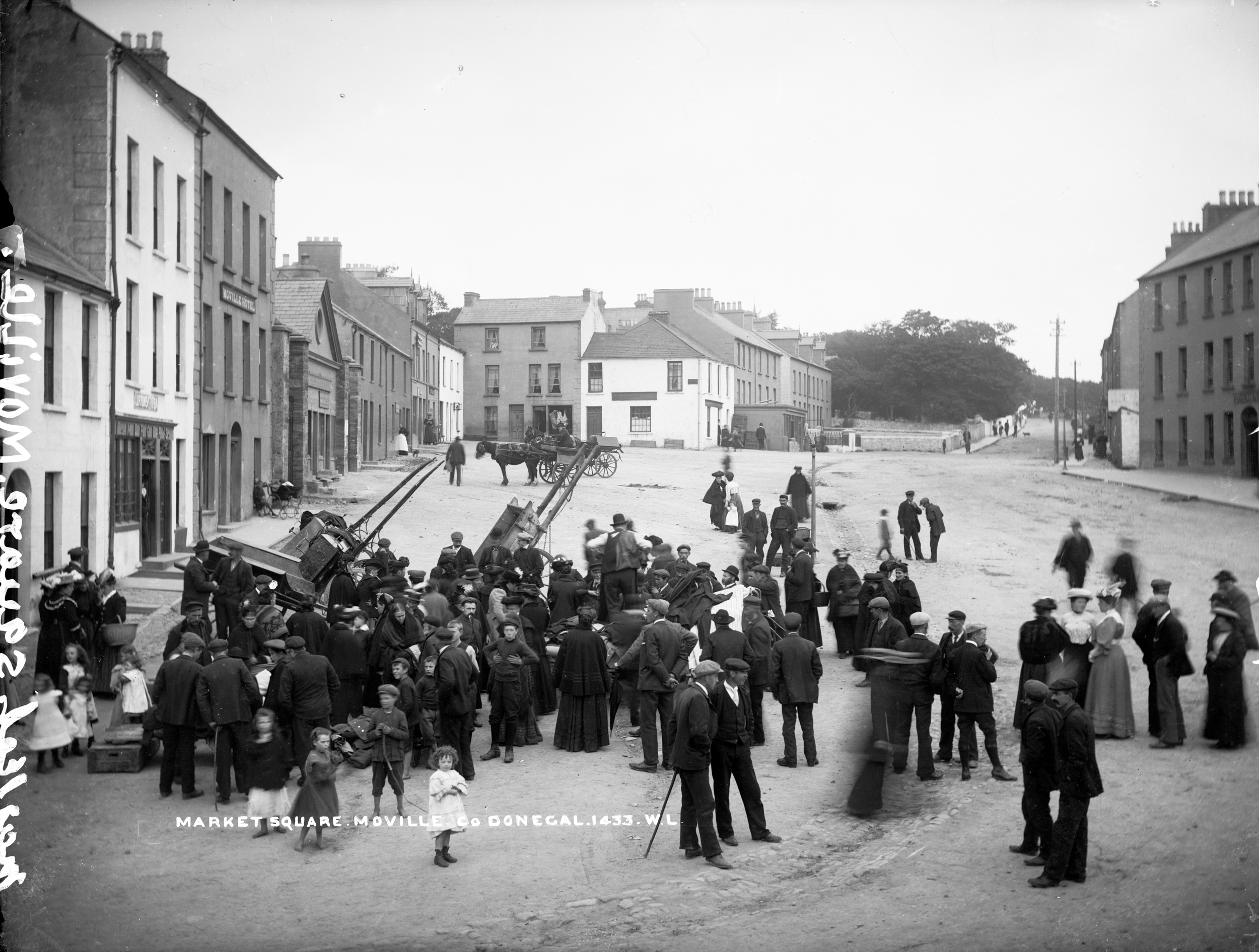 File:Market Square, Moville, Co. Donegal (7534144708).jpg ...