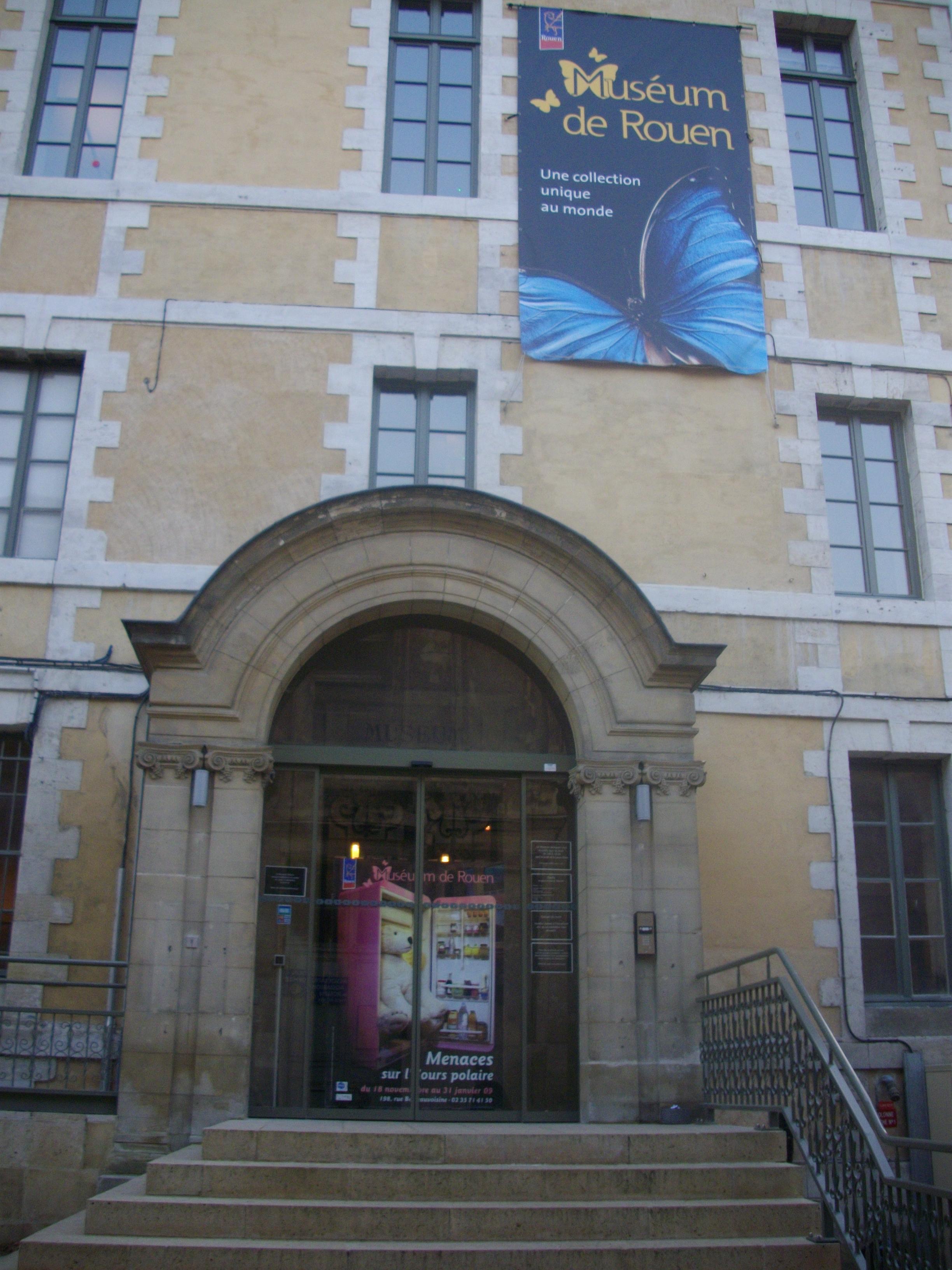 http://upload.wikimedia.org/wikipedia/commons/f/f5/Mus%C3%A9e_de_Rouen.JPG