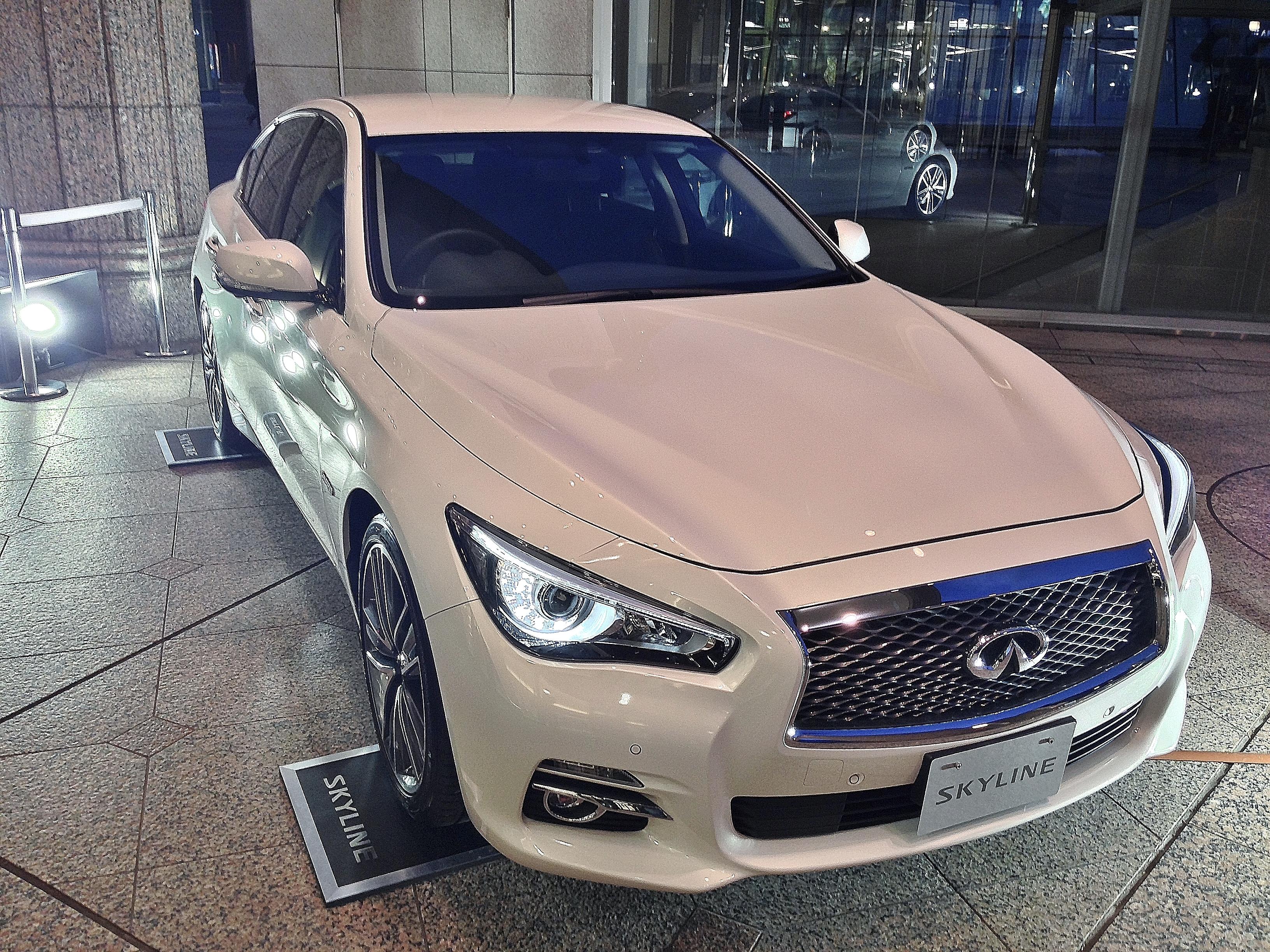 ファイル nissan sales promortion daa hv37 skyline hybrid sedan