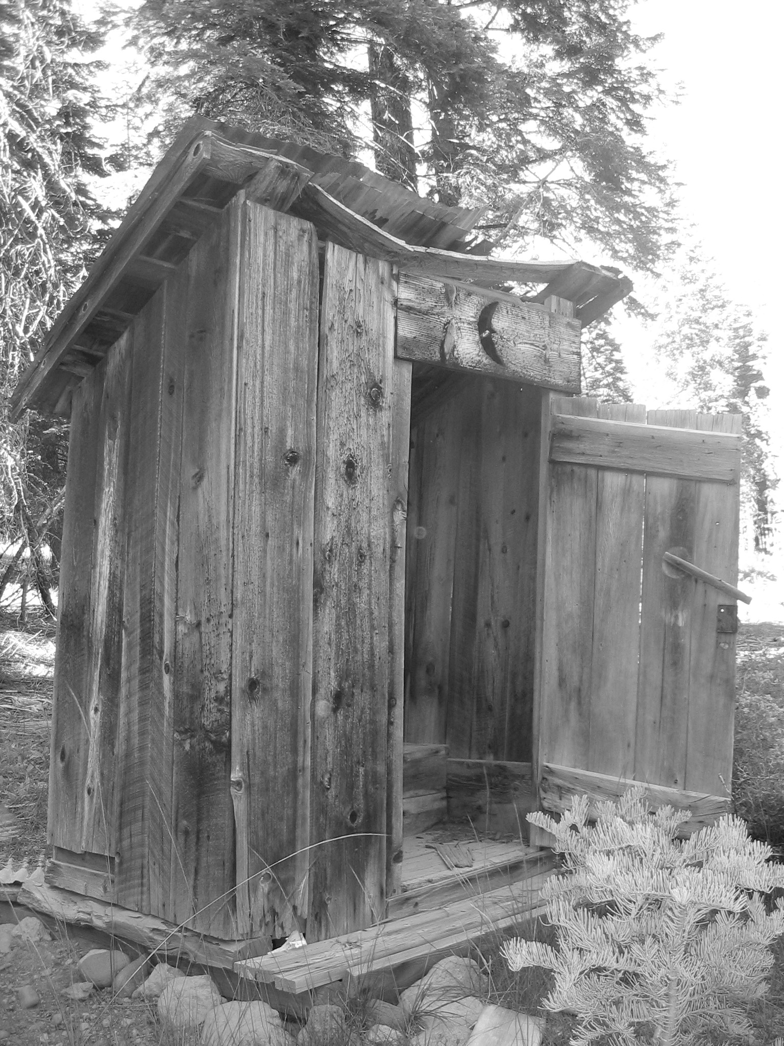 File Old Outhouse Jpg Wikimedia Commons