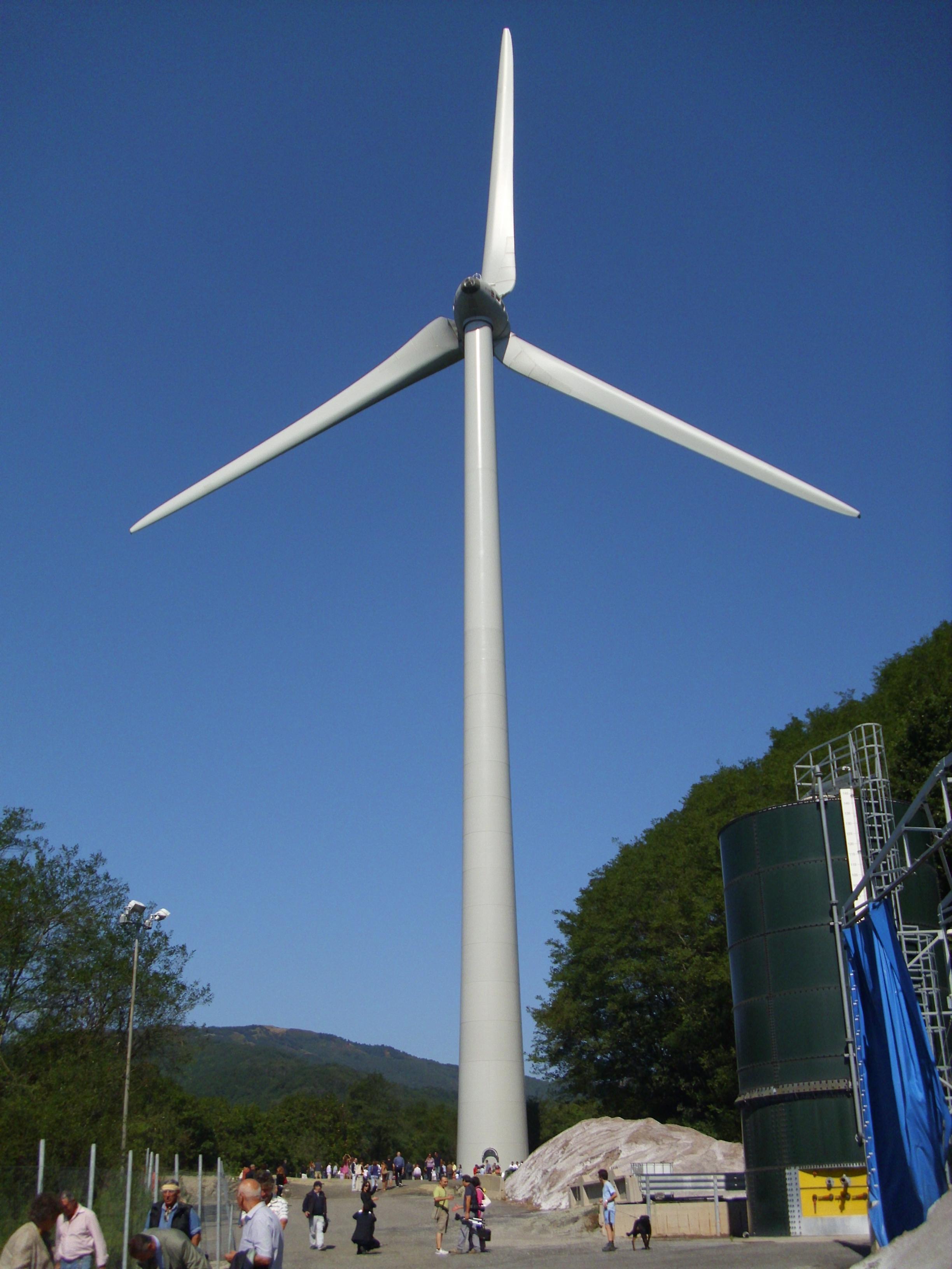 File:Pala eolica Mele 16.jpg - Wikimedia Commons