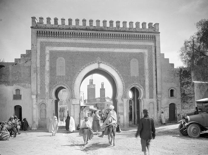 Porte Bab Bouyelord à Fès par le photographe Georges-Louis_Arlaud vers_1925.