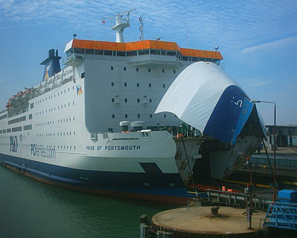 Ferryport de Poldegrad Pride_of_Portsmouth_-_Portsmouth_Continental_Ferry_Port_19-03-05