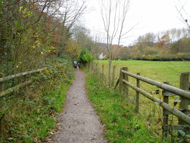 Public Footpath to Uplyme - geograph.org.uk - 1060755