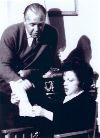Neame and [[Judy Garland]] on the set of ''[[I Could Go On Singing|I Could Go On Singing]]''