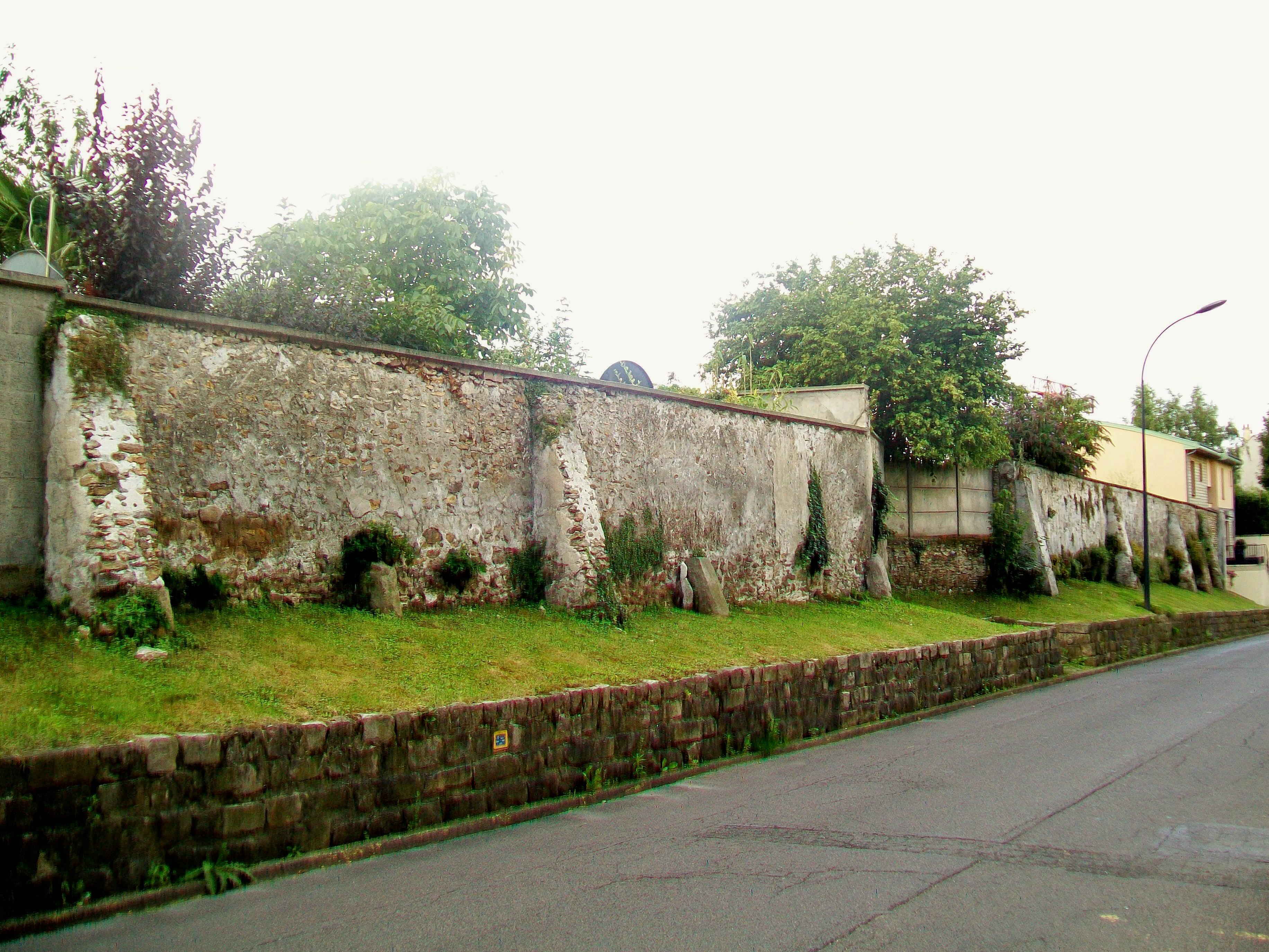 file brice sous for 234 t 95 mur d enceinte non dat 233 rue des marais jpg wikimedia commons