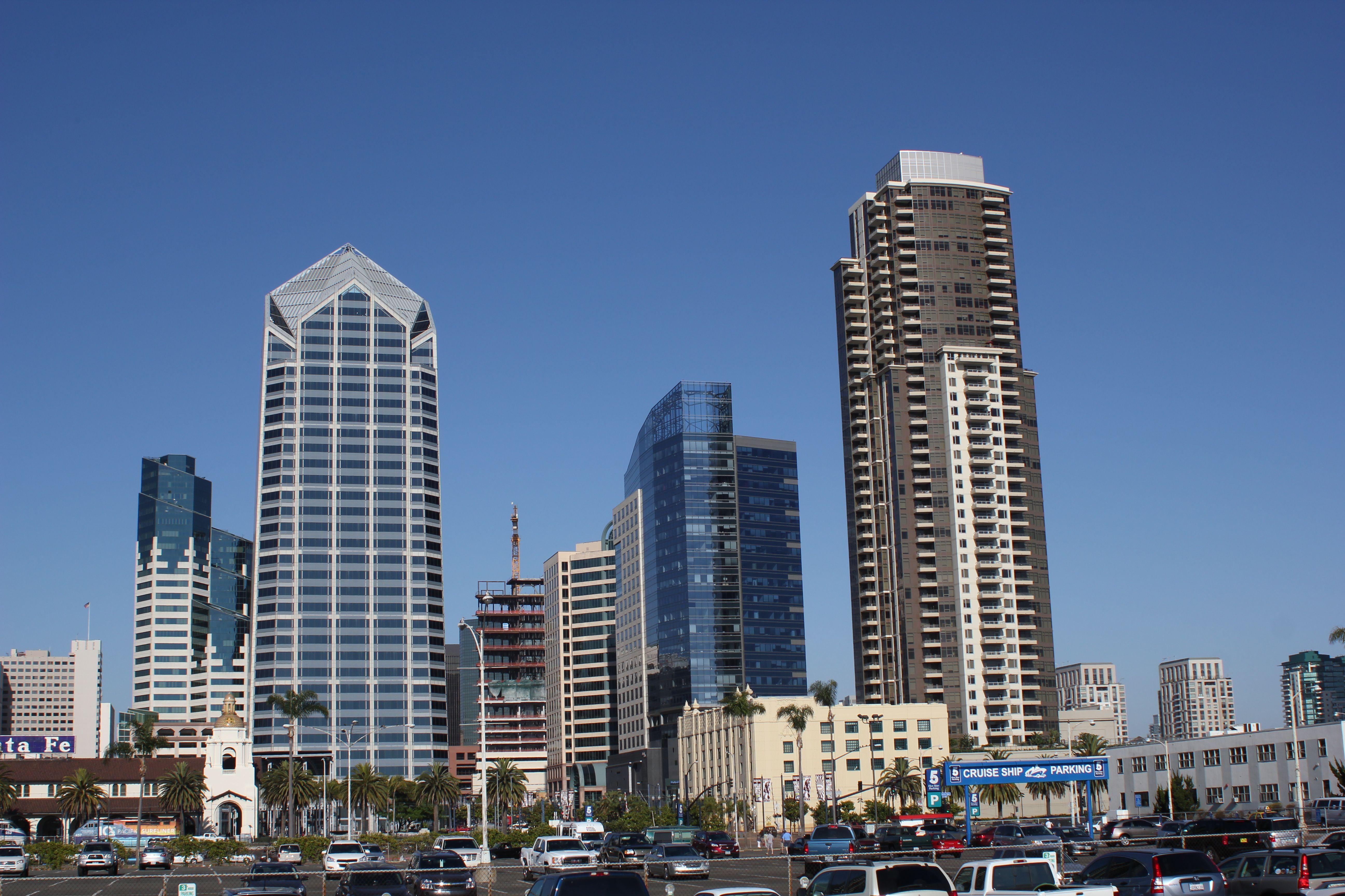 San Diego Hotels Under  Rooms
