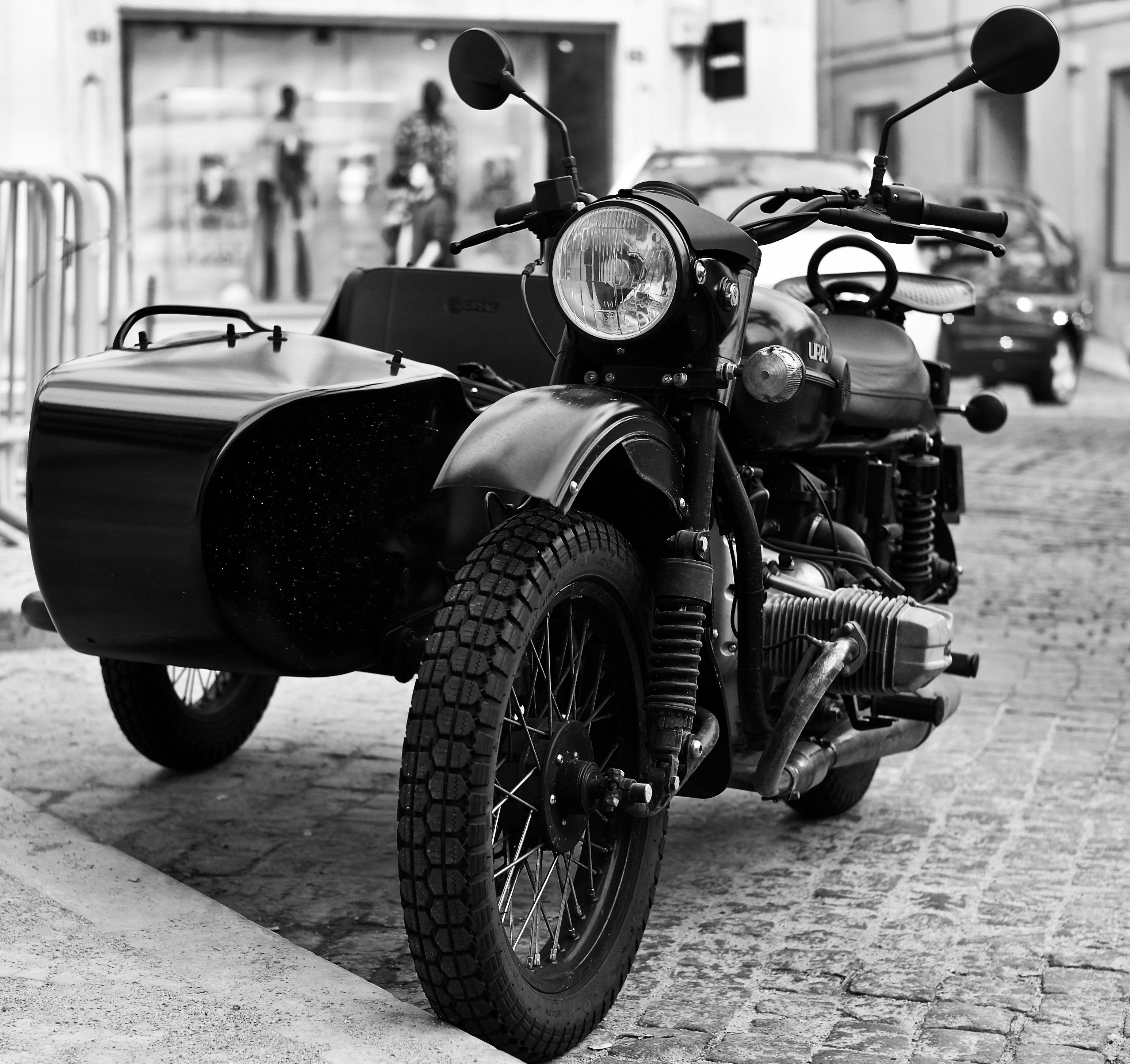 "File:Side car motorbike ""Ural"" (47562824862).jpg - Wikimedia Commons"