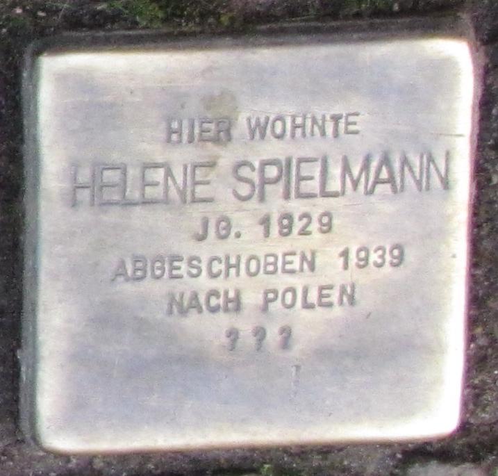 Stolpersteine in Ettlingen Helene Spielmann Marktstr 6 (fcm).jpg