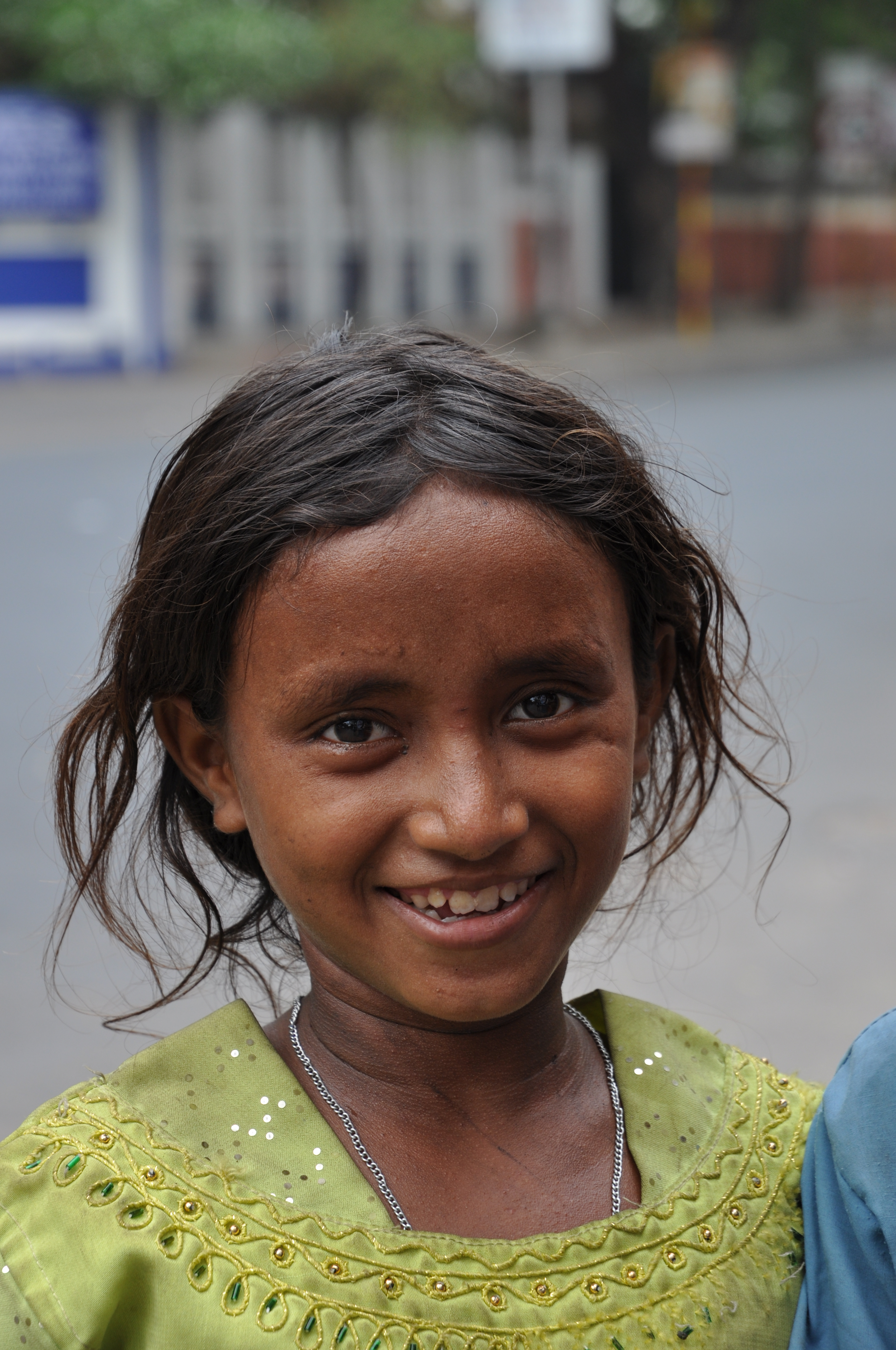 File:Street Child Kolkata 0040.JPG - Wikimedia Commons