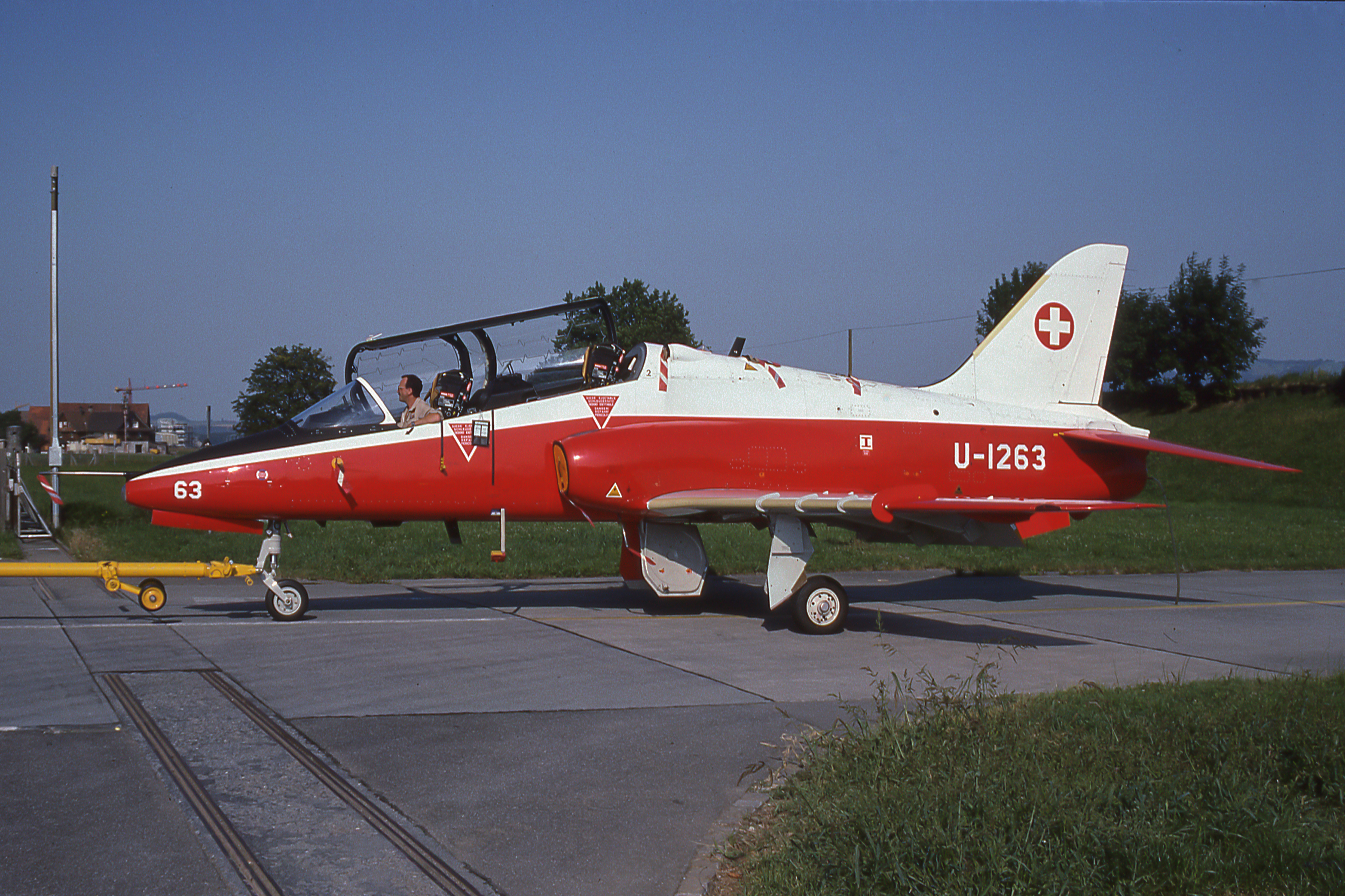 LE BON NUMERO - Page 16 Swiss_Air_Force_BAe_Hawk_trainer_U-1263