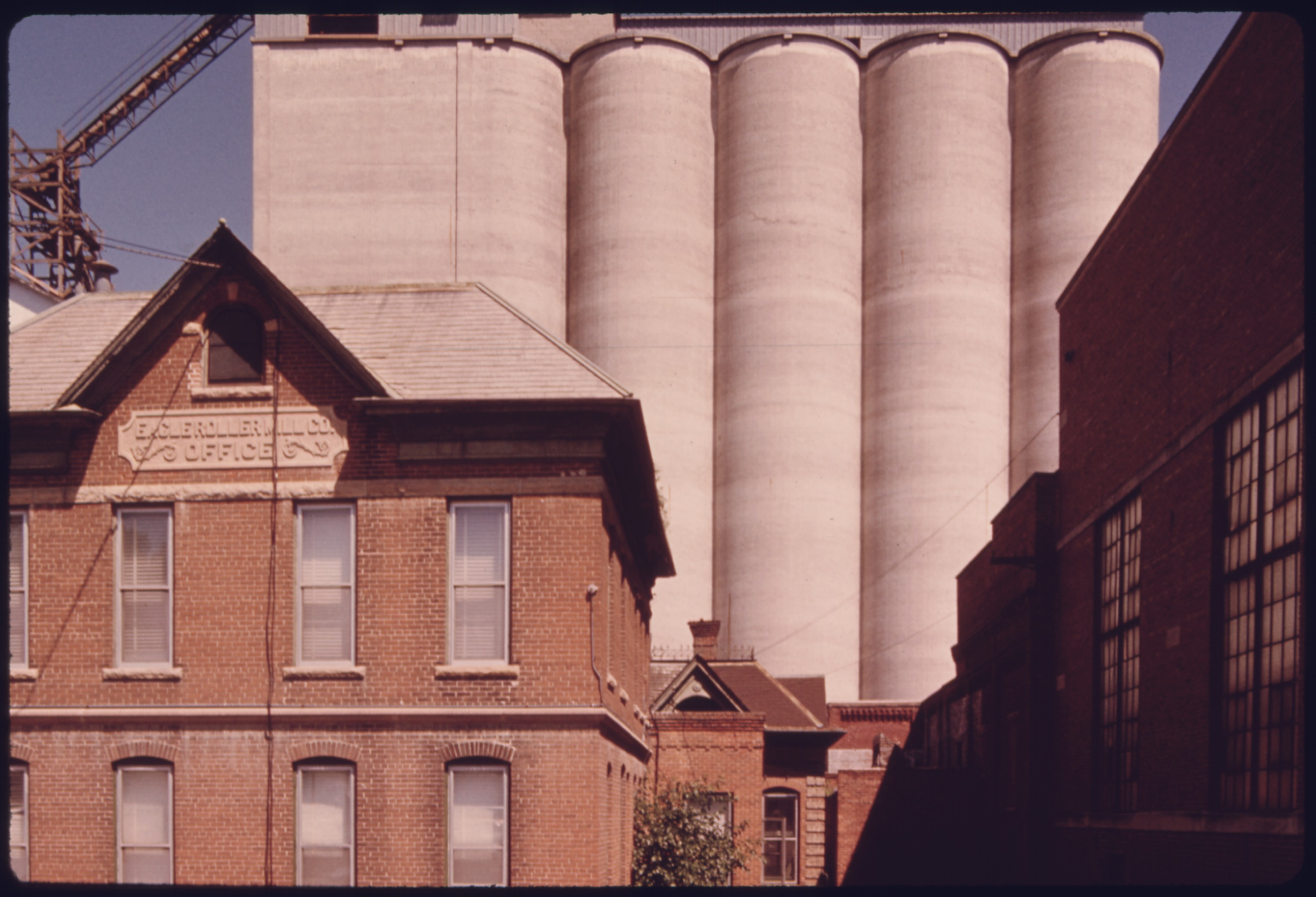 file the old eagle roller mill office  foreground  and