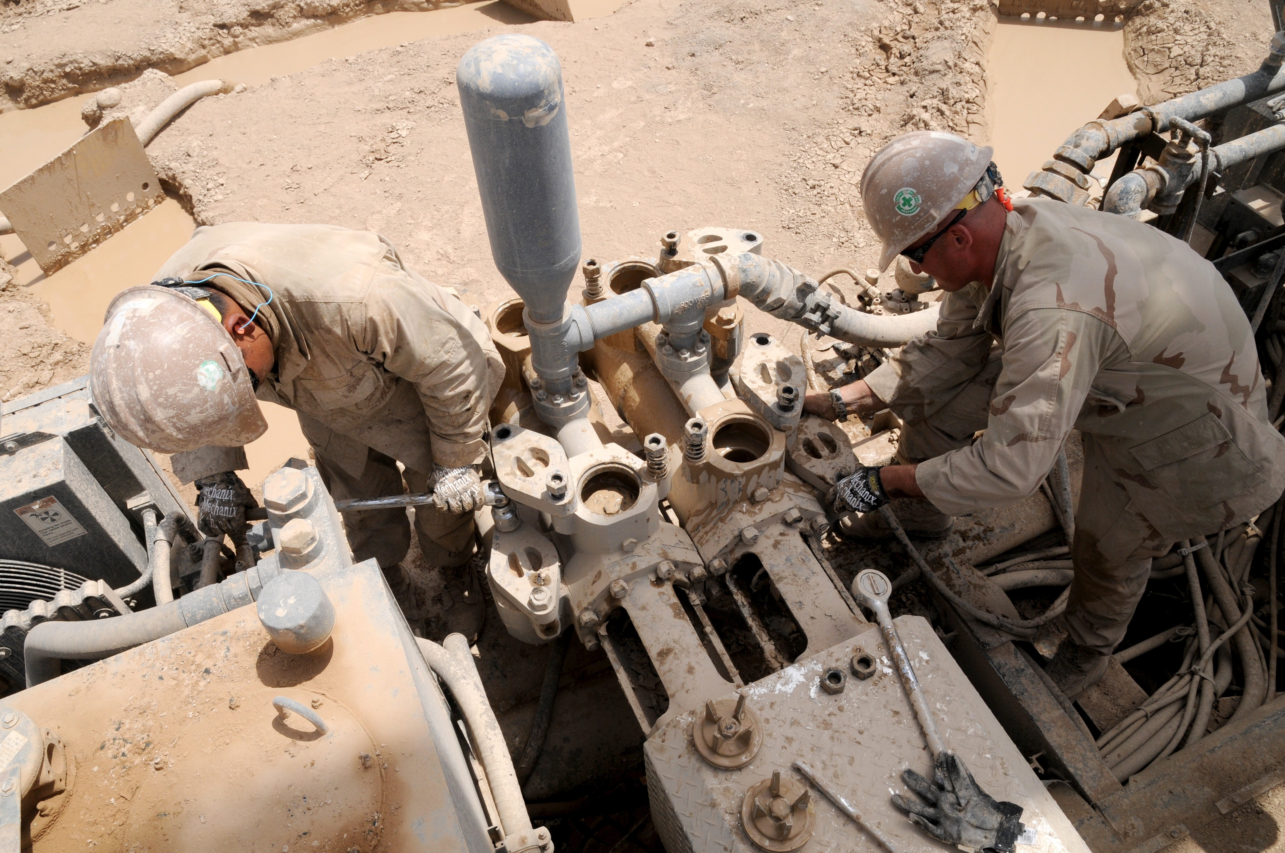 File:US Navy 110814-N-LL945-118 Construction Mechanic ...