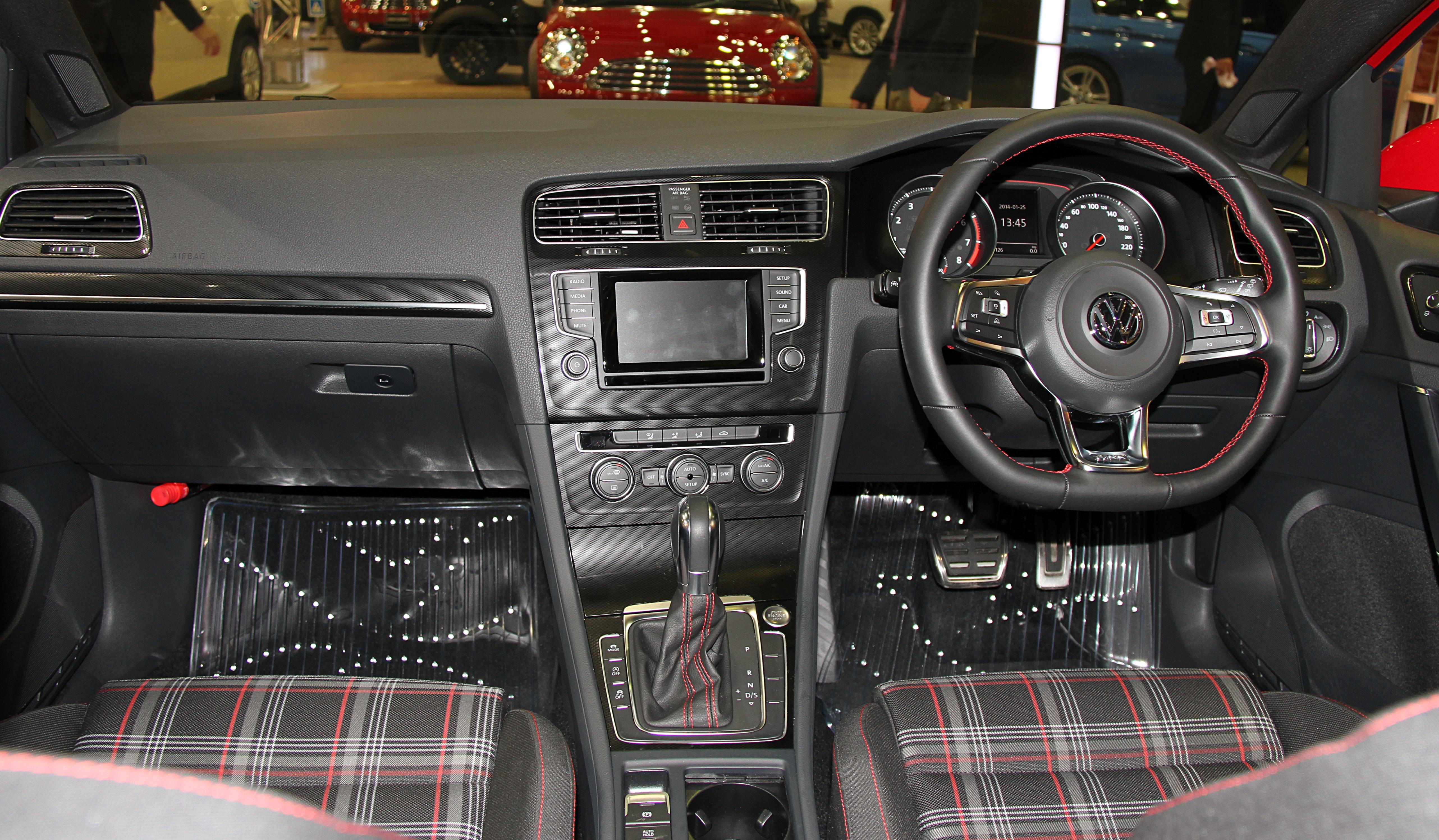 FileVolkswagen Golf GTI interiorjpg  Wikimedia Commons