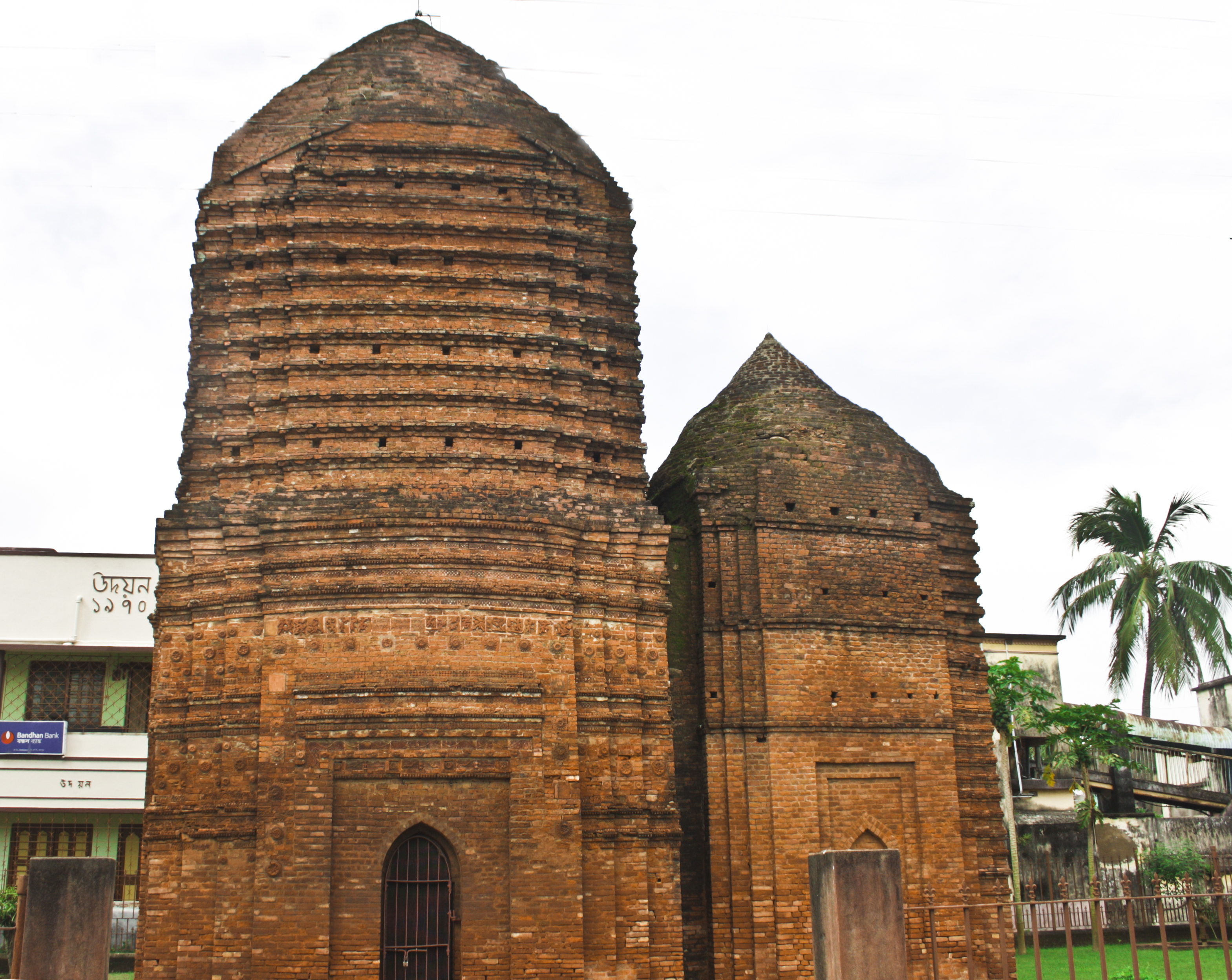 file wlm wb two ancient temples joined together in baidyapur jpg