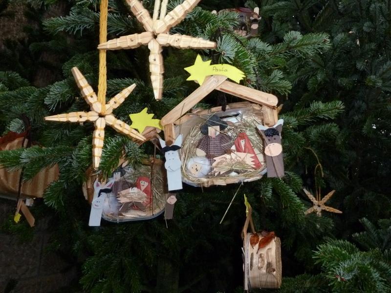 File:Weihnachtsbaumschmuck - panoramio (1).jpg