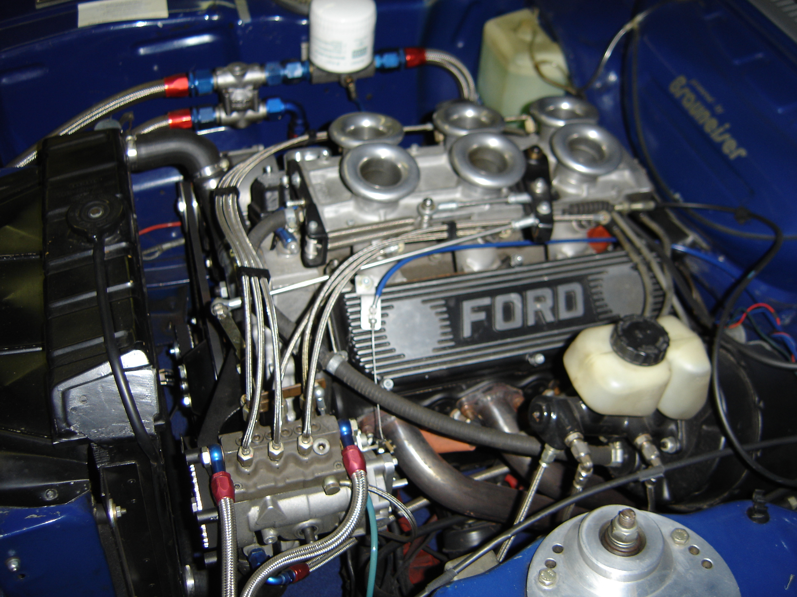 Weslake_Race_Engine_Ford_Capri_RS_with_Kugelfischer_Injection.JPG
