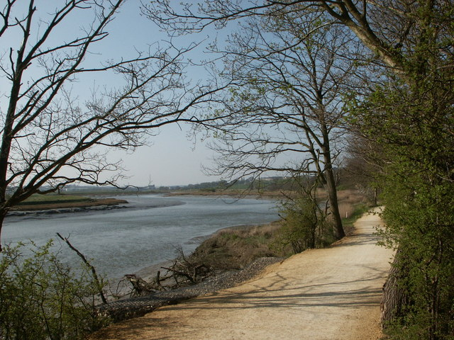 Wivenhoe Trail - geograph.org.uk - 361760