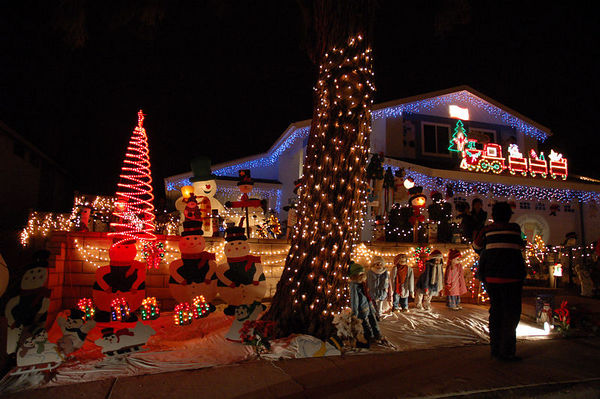 wikimedia commons - Best Christmas Lights In San Diego