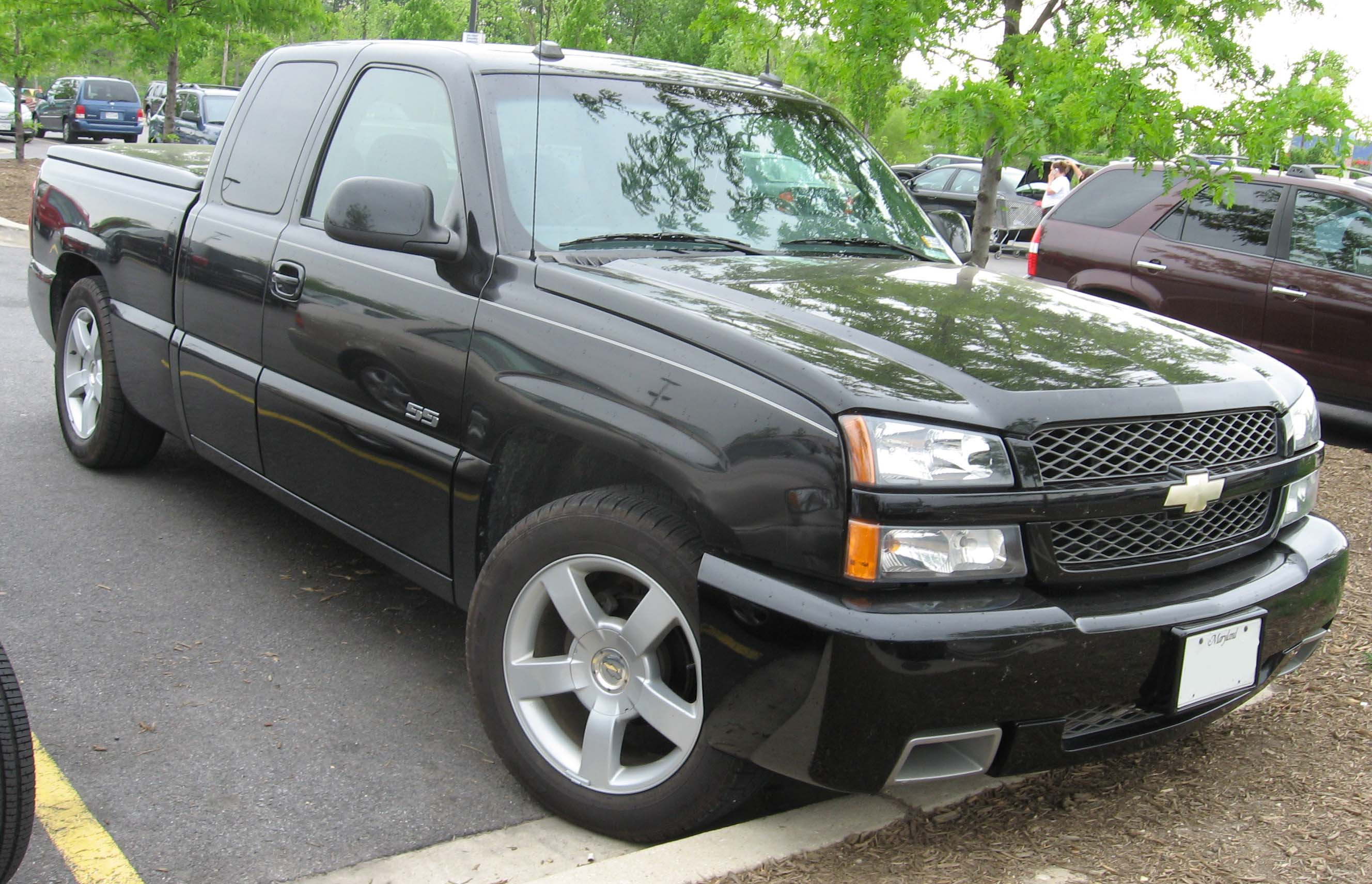 Description 03-05 Chevrolet Silverado SS.jpg