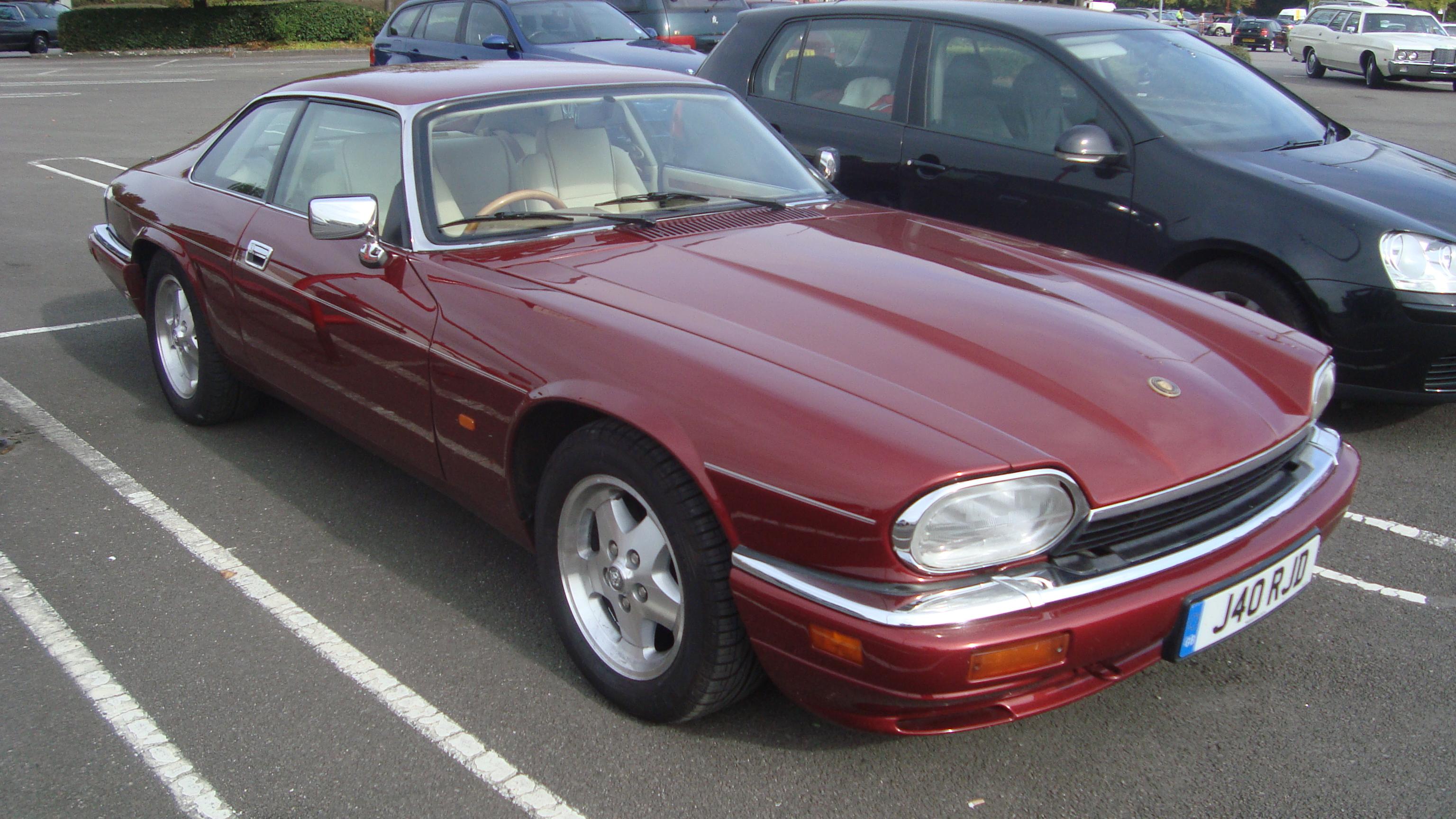 File:1995 Jaguar XJS 4.0 Celebration (15271737637)