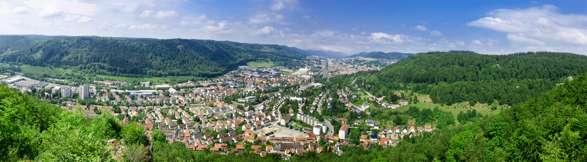 http://upload.wikimedia.org/wikipedia/commons/f/f6/20110602-Albstadt_Panorama.jpg