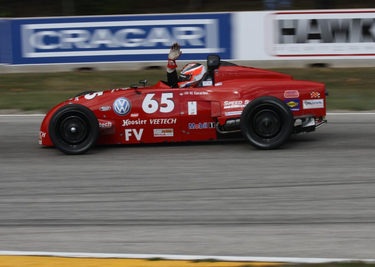 File:2012 SCCA National Championship Runoffs Formula Vee winner pan ...