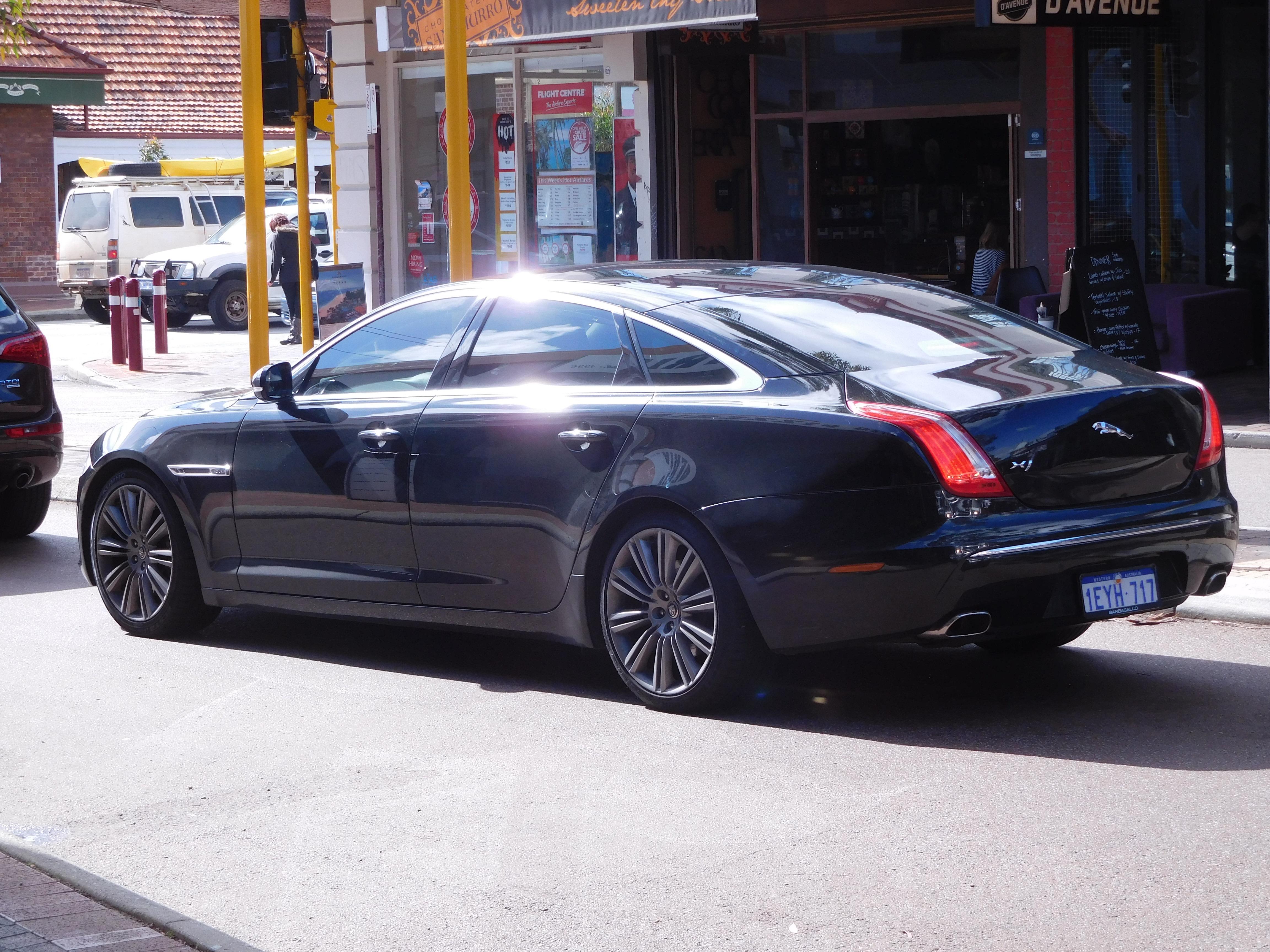 drive xj expert jaguar sedan of review test l