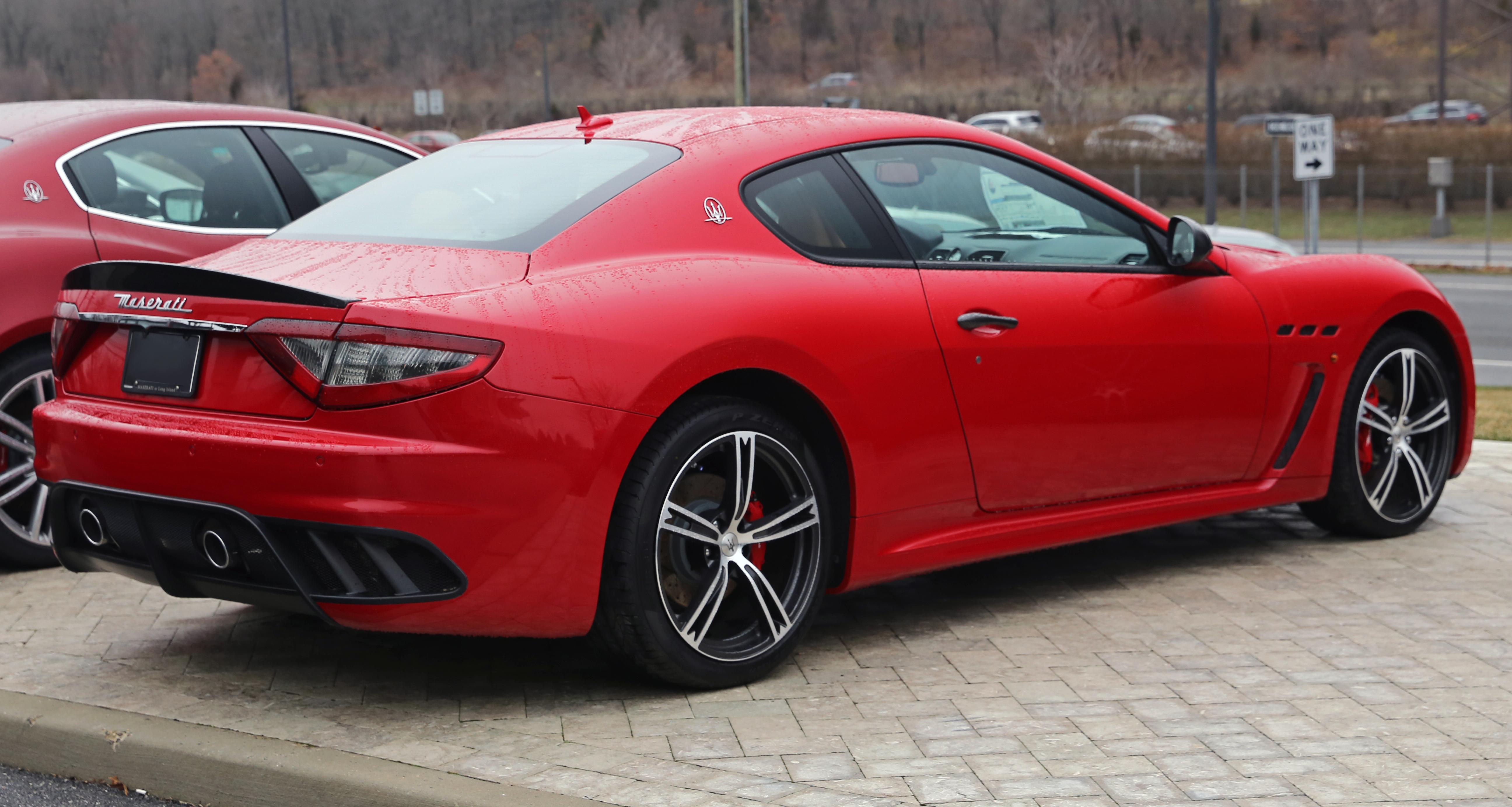 File:2015 Maserati GranTurismo MC, rear right (rosso).jpg ...