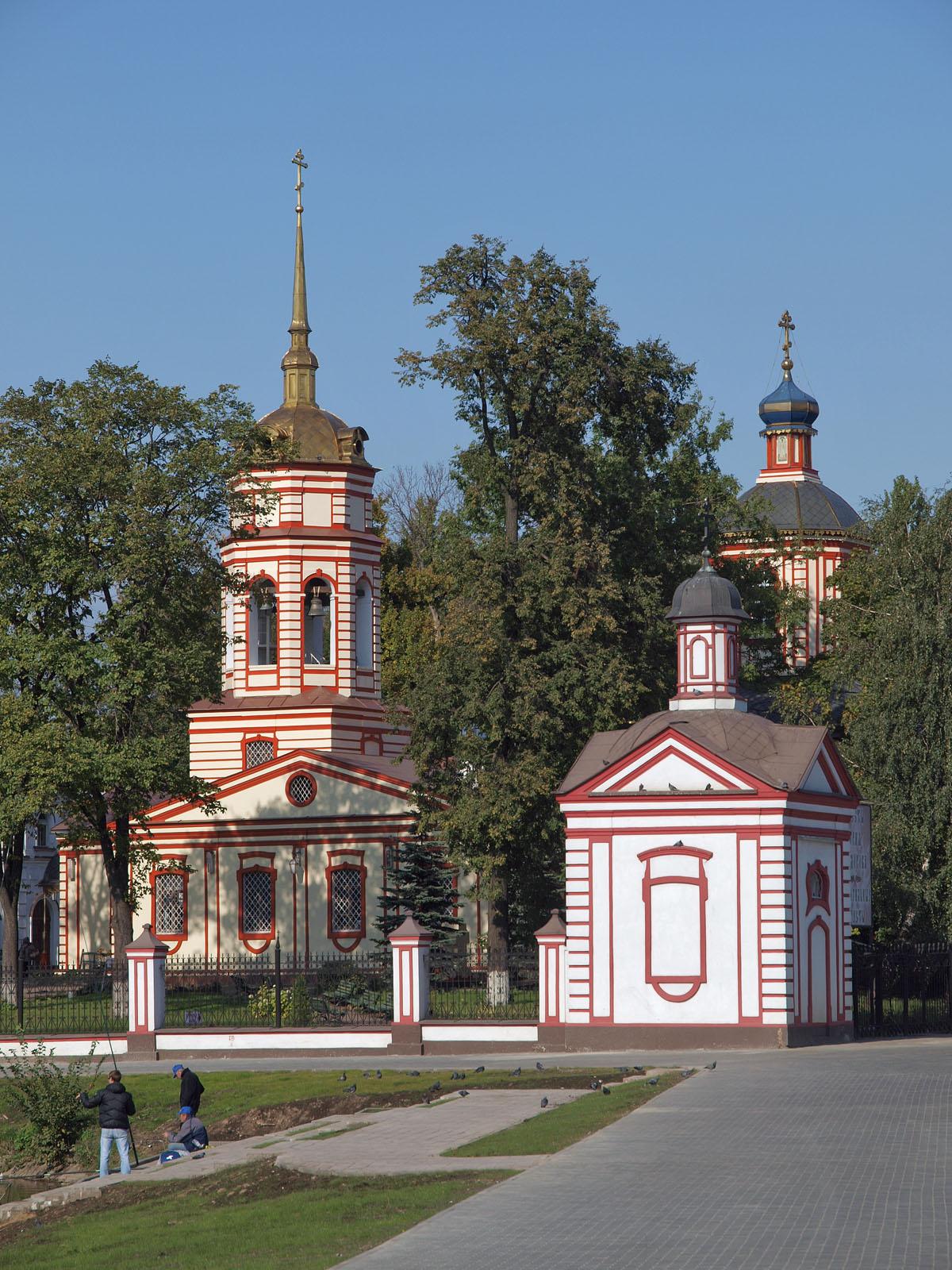 Памятник с крестом Алтуфьево Мемориальный комплекс из малинового кварцита и гранитов Таганрог