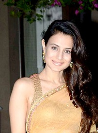 Ameesha Patel at Queenie Singh's wedding bash.jpg