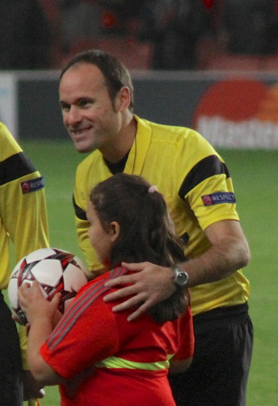 Antonio Mateu L... Fifa 2002 Mascot
