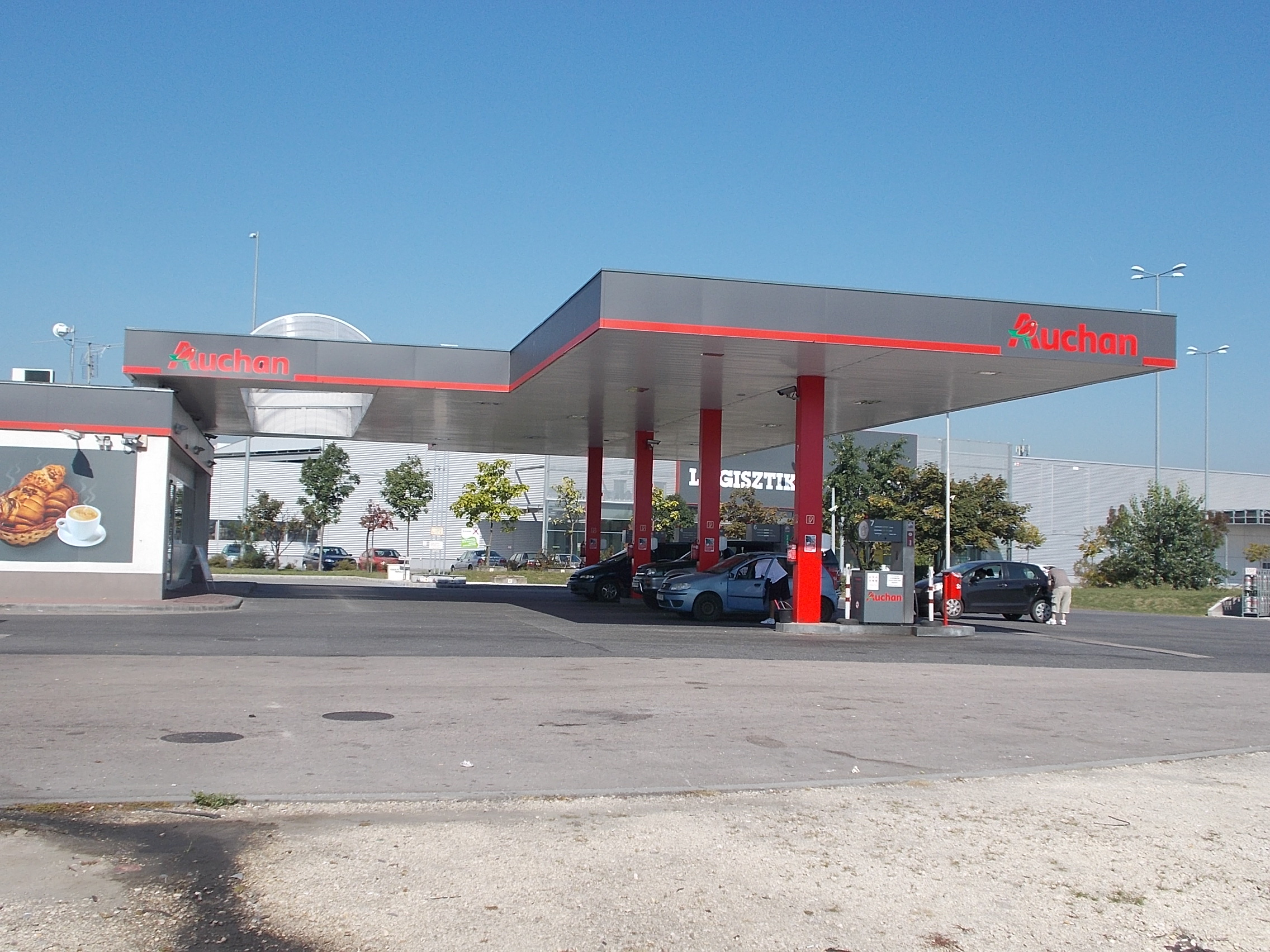 Fileauchan Petrol Station In Csepel Rózsadomb 2016