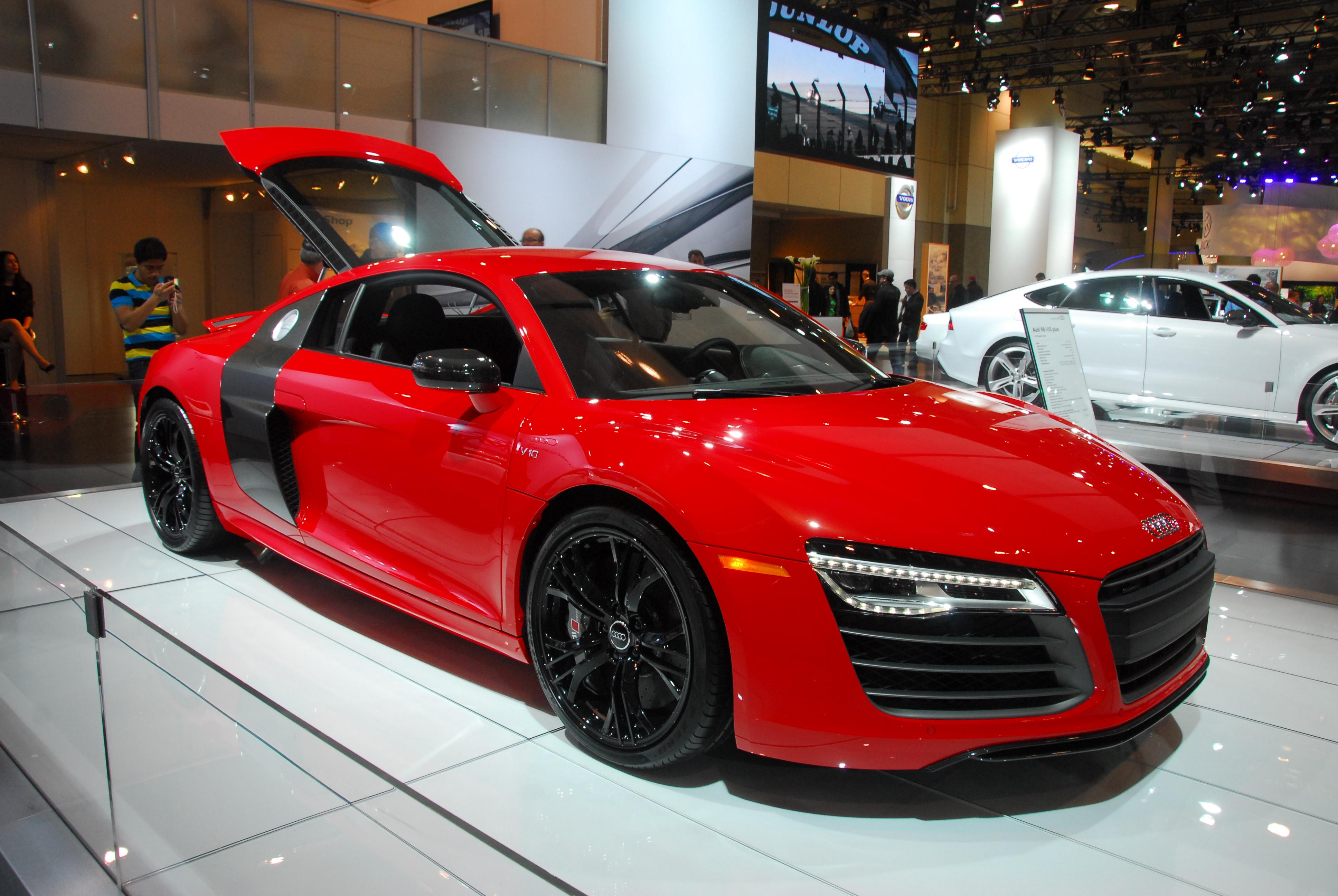 File:Audi R8 V10 Plus (8505431830).jpg - Wikimedia Commons