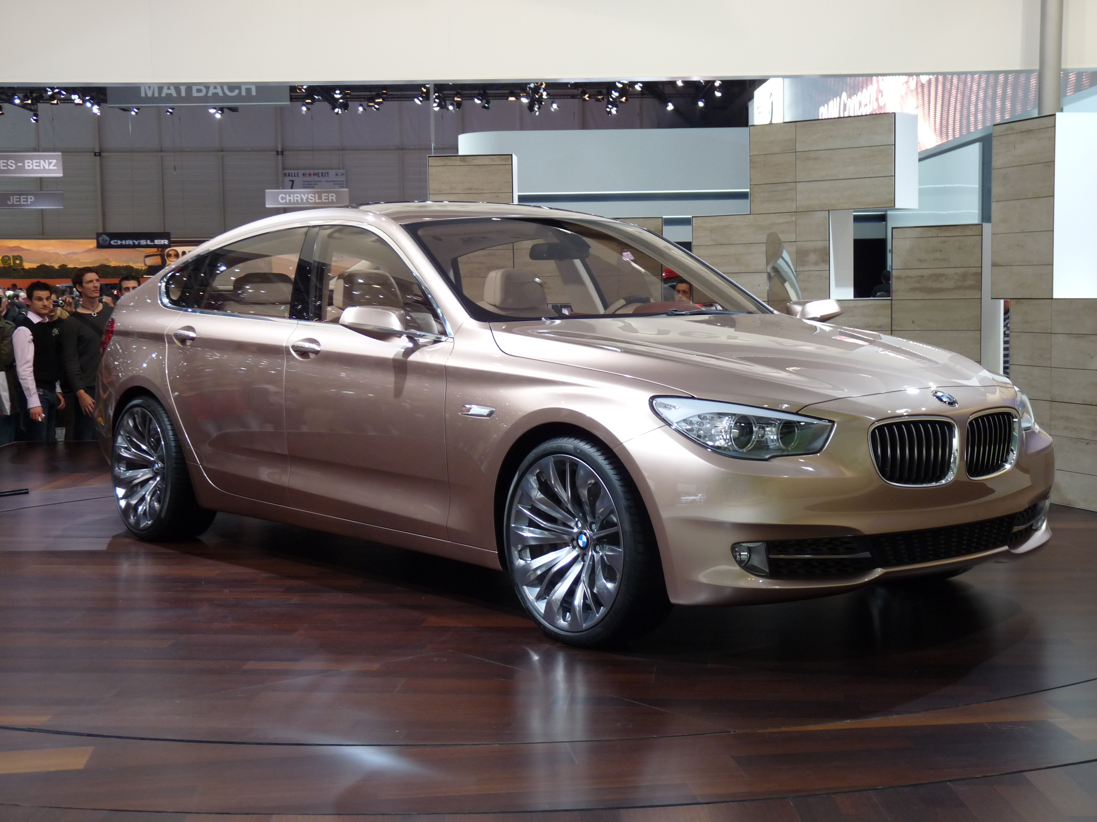 File Bmw 5 Series Gt Concept Geneve 2009 Jpg Wikimedia Commons