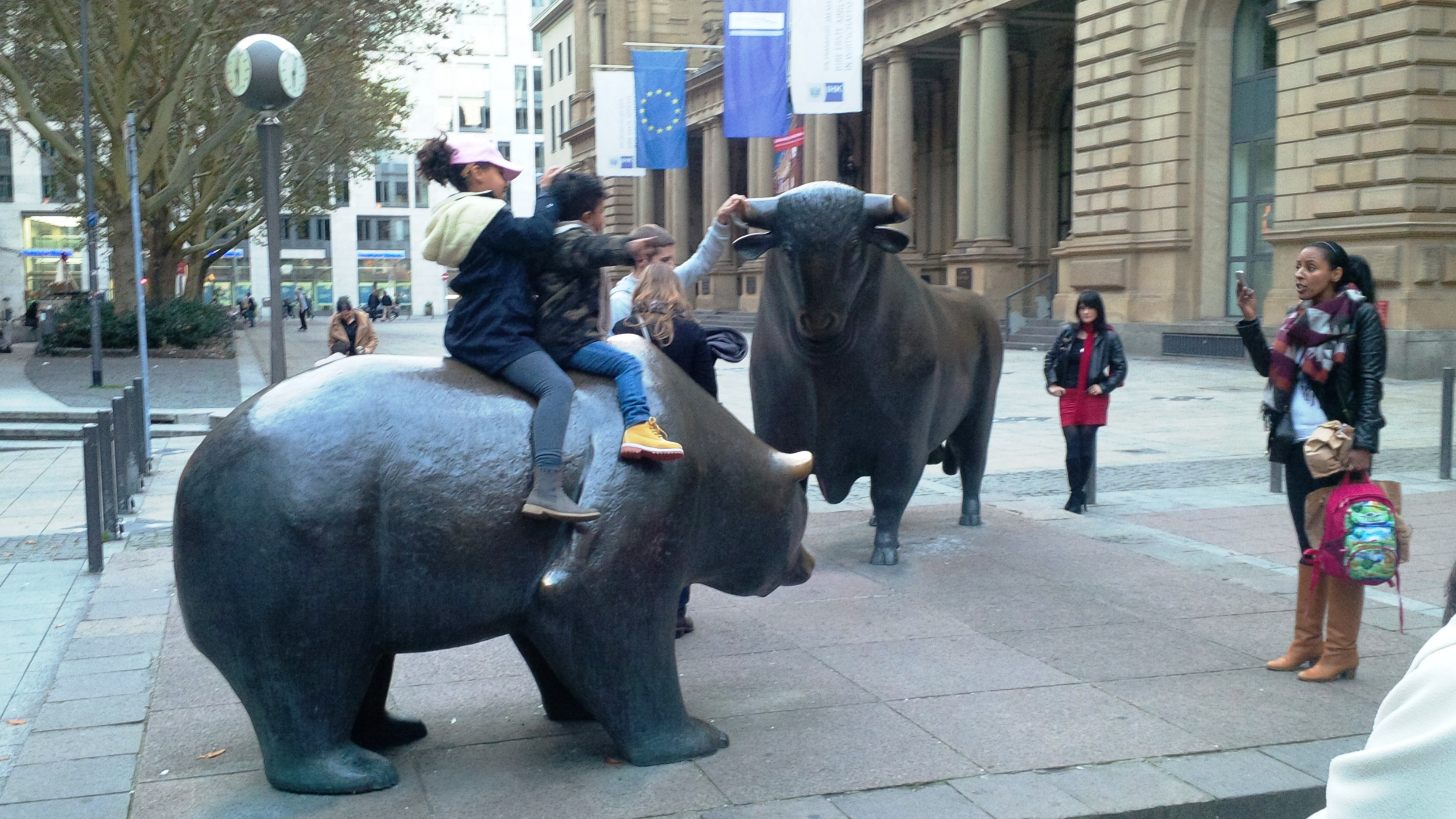 Chart For Indian Stock Market: Bull an Bear in Frankfurt stock exchange.jpg - Wikimedia Commons,Chart