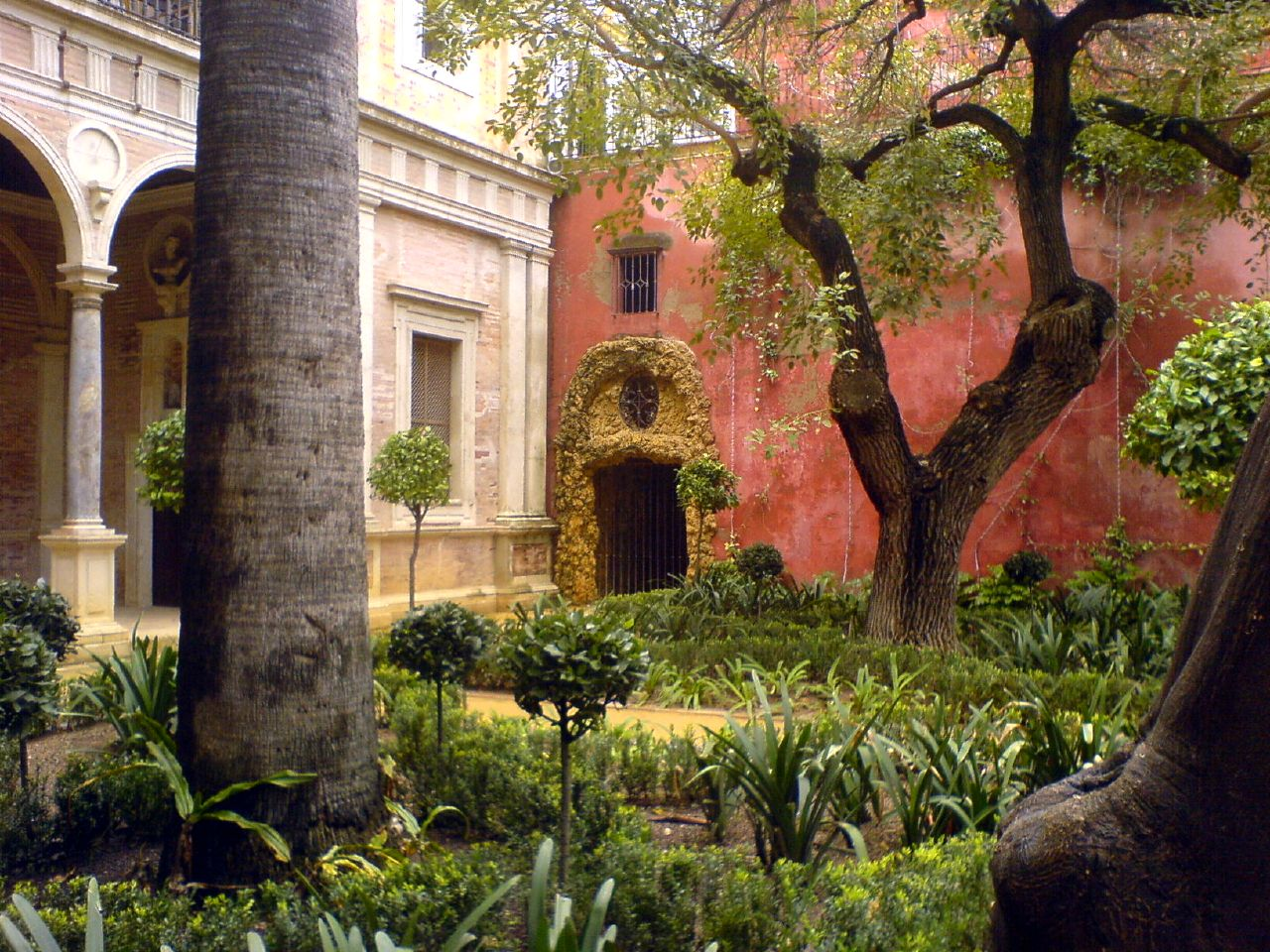 File casa de pilatos jard n wikimedia commons for Jardines verticales sevilla