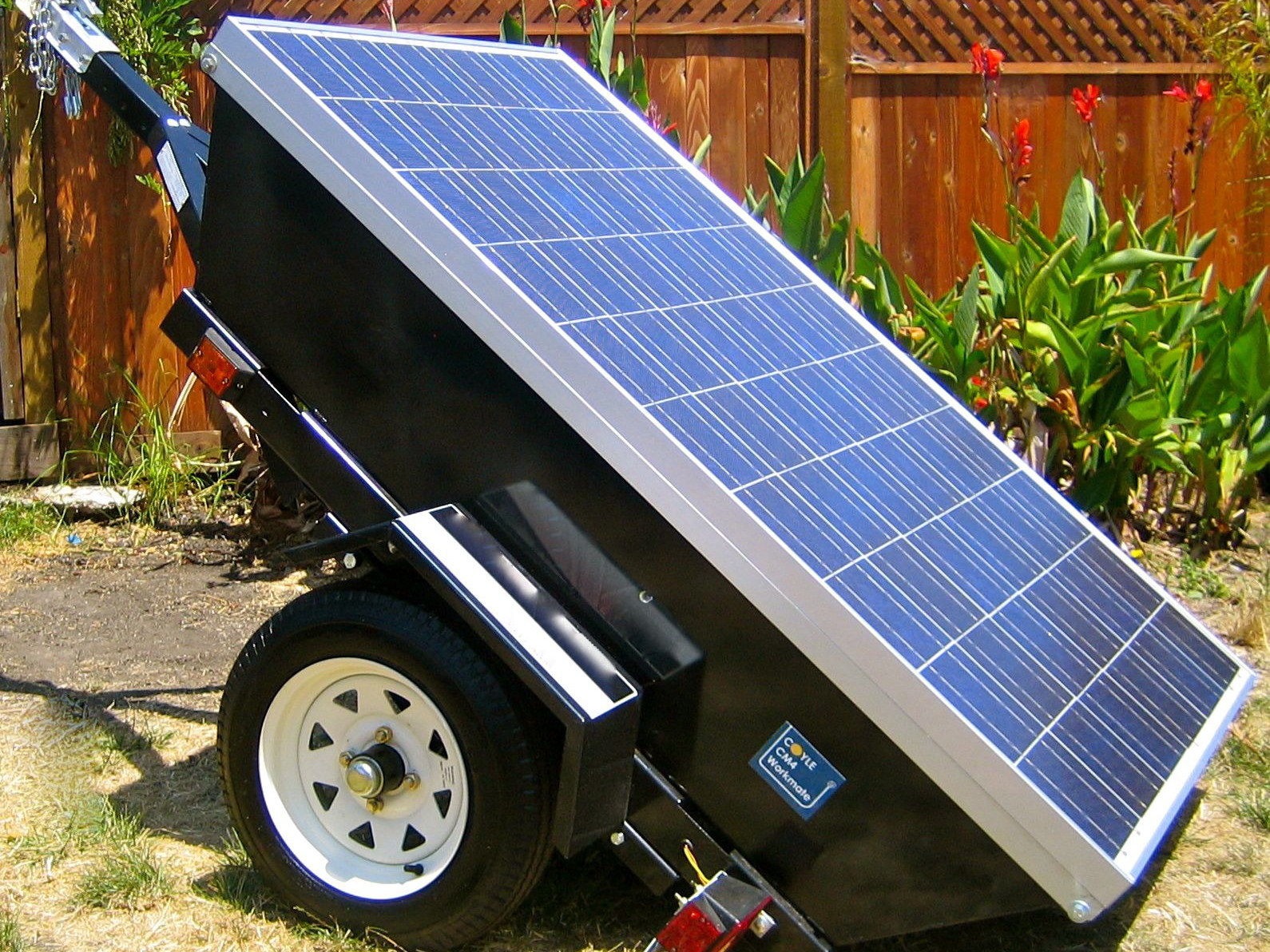 Photovoltaic System Wikipedia Simple 12v Aa Battery Solar Charger Circuit Profile Picture Of A Mobile Powered Generator