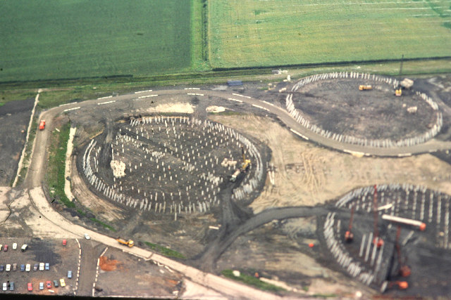 https://upload.wikimedia.org/wikipedia/commons/f/f6/Drax_Power_Station,_Cooling_Tower_Foundation_Piles_-_geograph.org.uk_-_119284.jpg