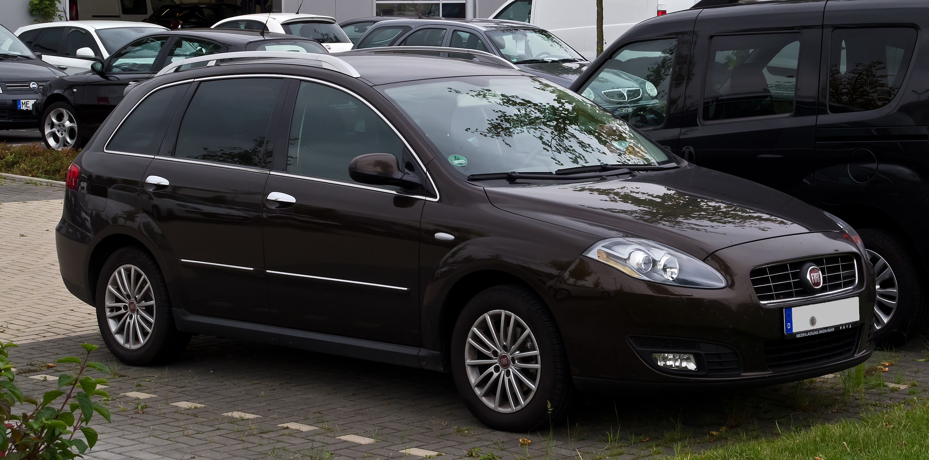 file fiat croma ii facelift frontansicht 17 september 2012 d wikimedia. Black Bedroom Furniture Sets. Home Design Ideas